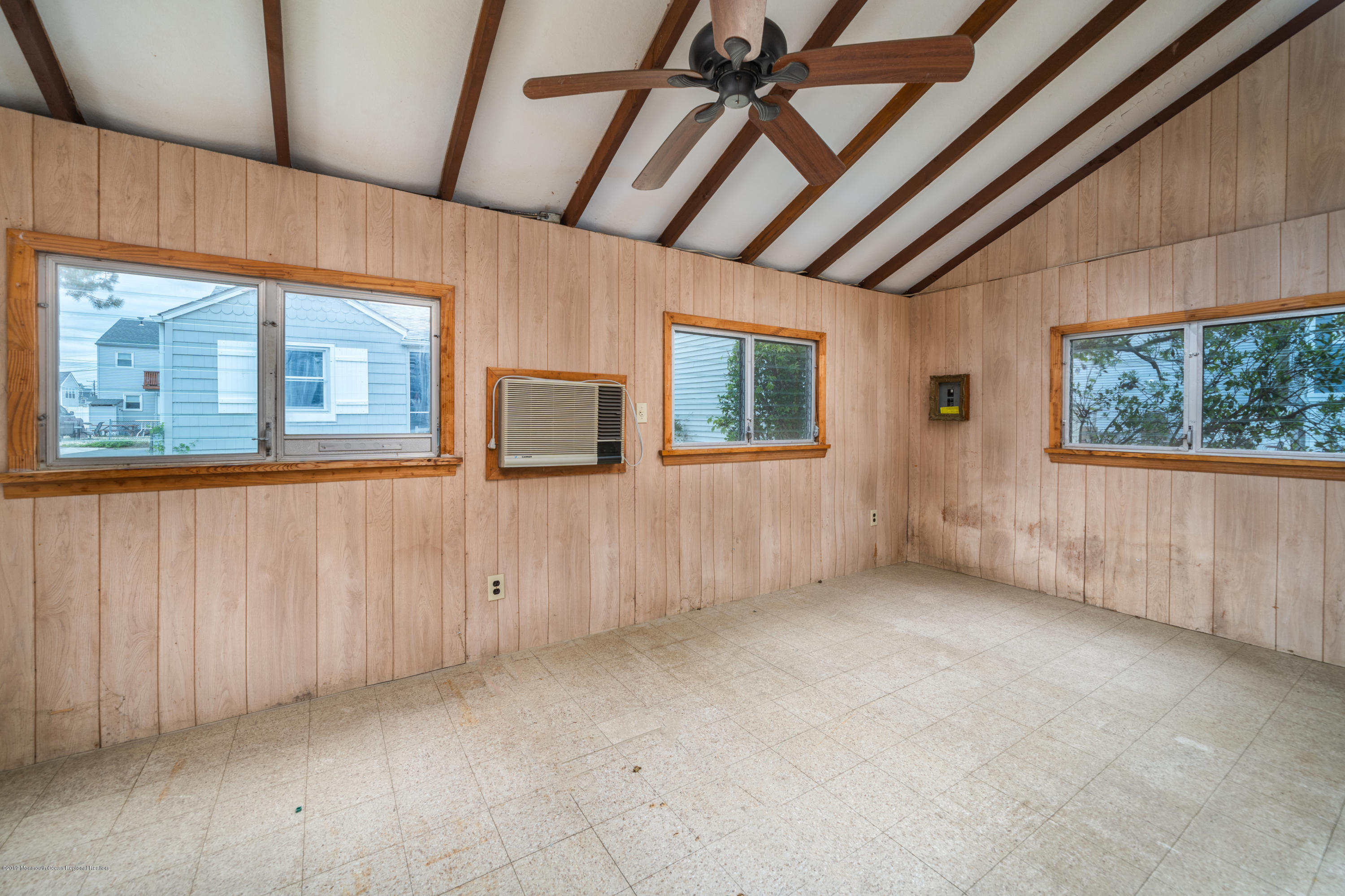 104 W Shore Way - Picture 23