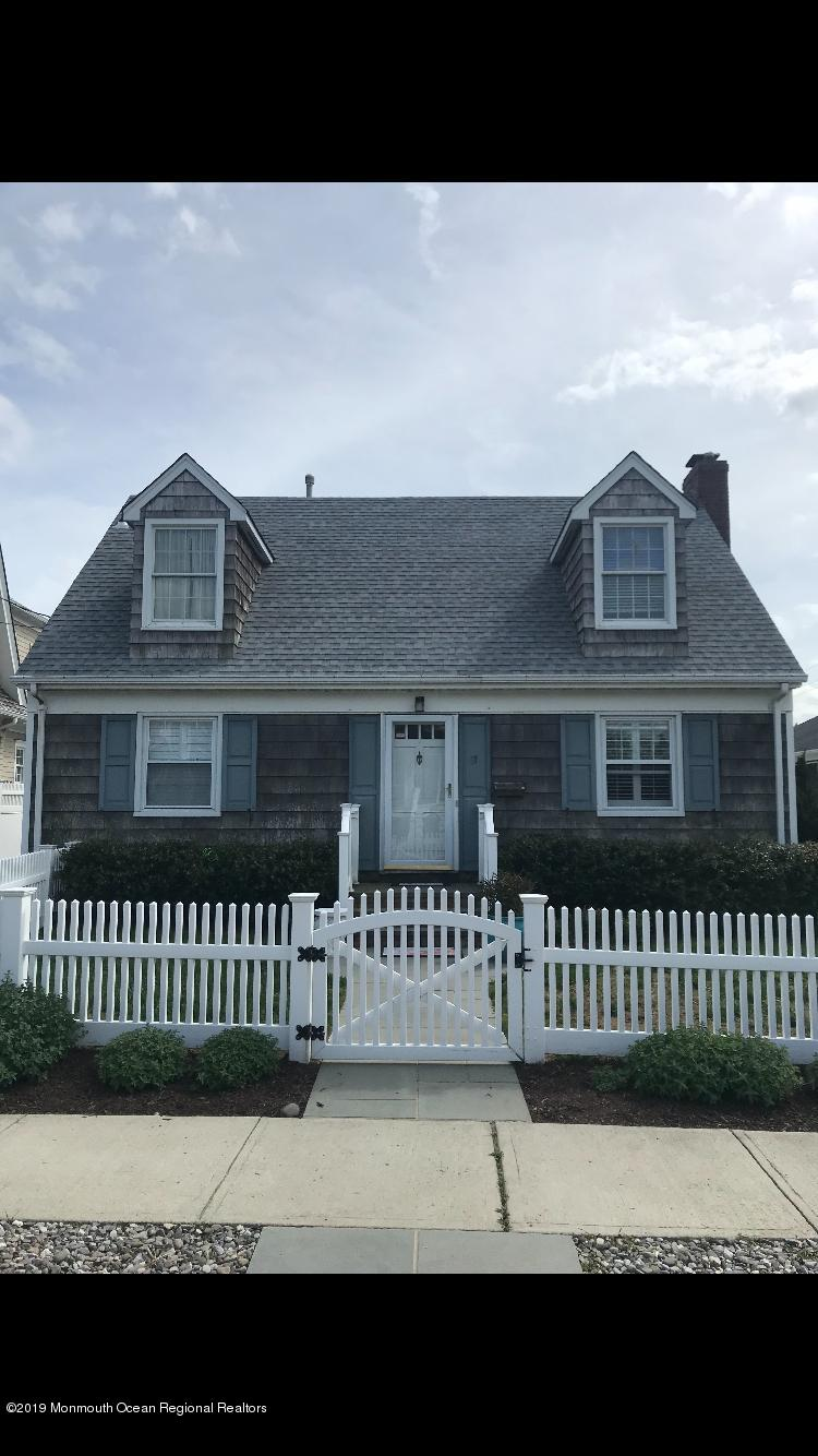 Photo of 27 Goetze Street, Bay Head, NJ 08742