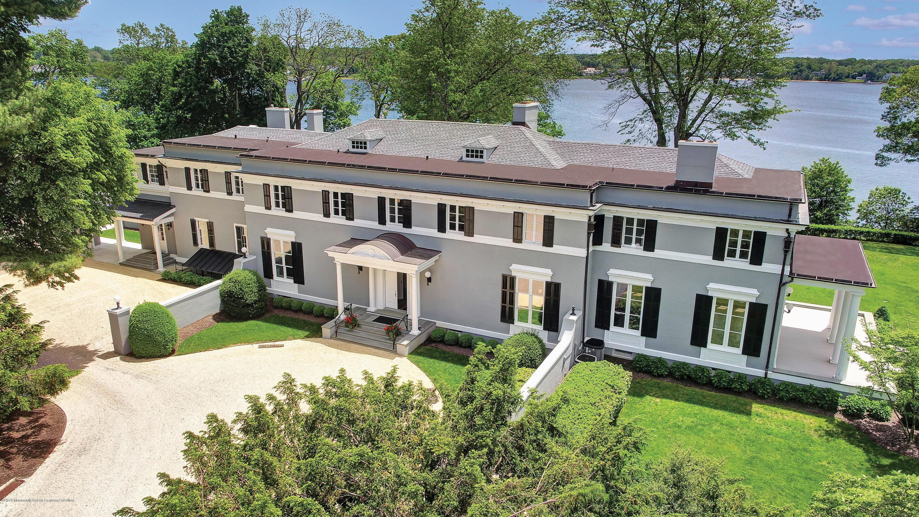 Photo of 776 Navesink River Road, Red Bank, NJ 07701