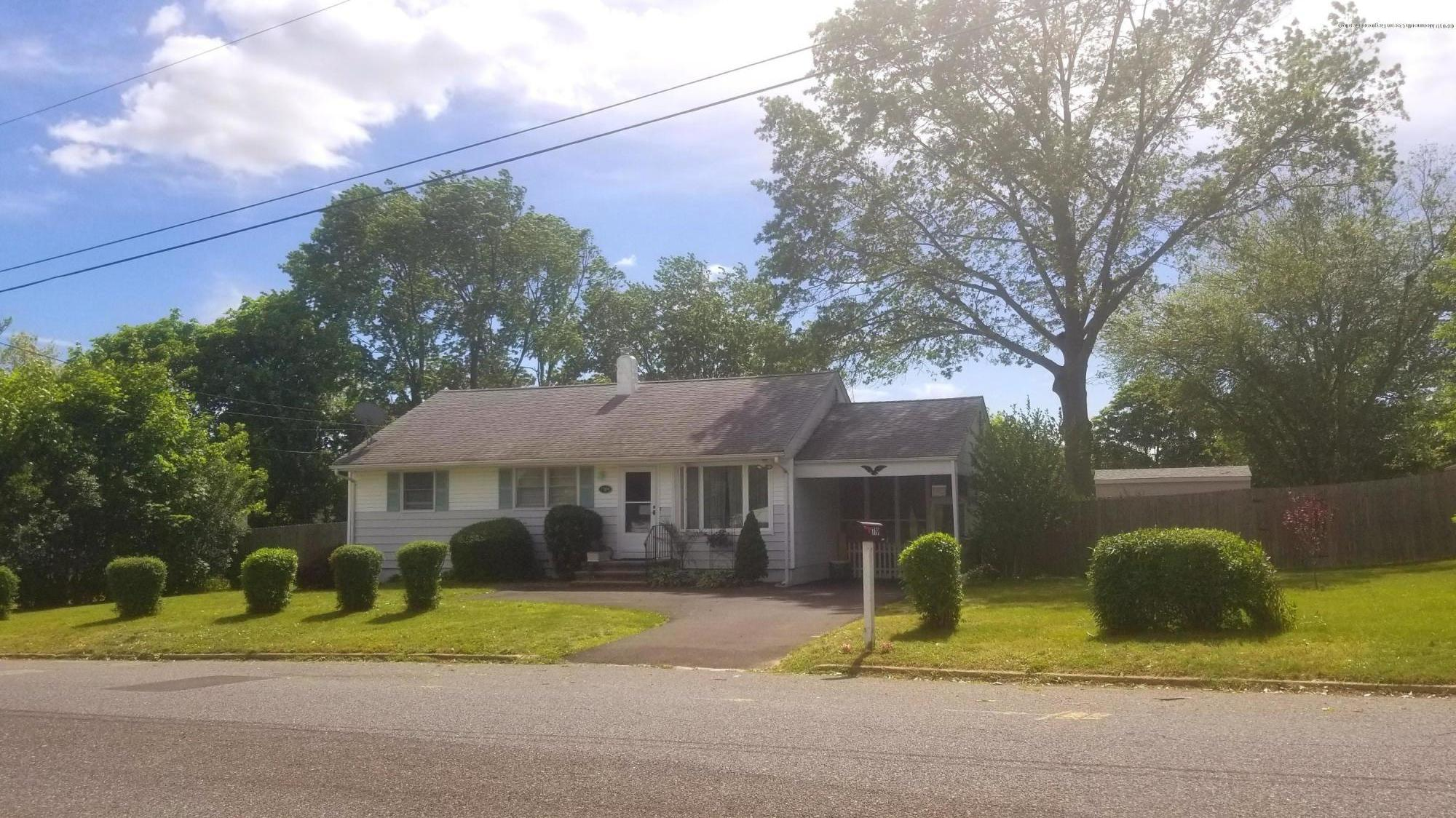 Beautiful Ranch in Green Grove Estate. Upgraded kitchen with Pergo Floors and Granite Counter Tops. Hardwood floors with a deck conveniently located off the kitchen. Large fenced yard with a carport and screened sunroom. Full basement with lots of room for a workshop in a quiet neighborhood. Short ride to route 18, GSP and Rt. 66.