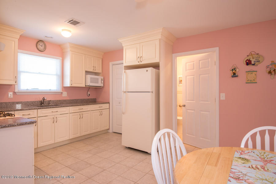 26  Trenton Avenue - Picture 21