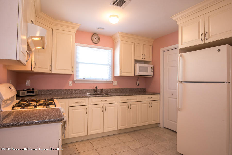 26  Trenton Avenue - Picture 22