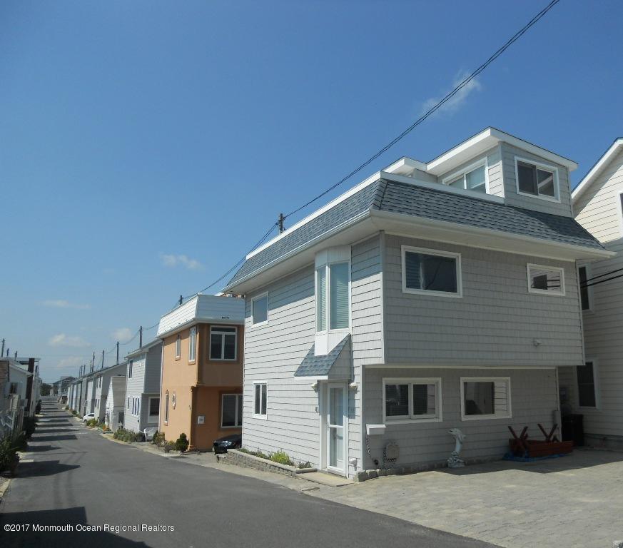 Photo of 12 E Channel Way, Lavallette, NJ 08735