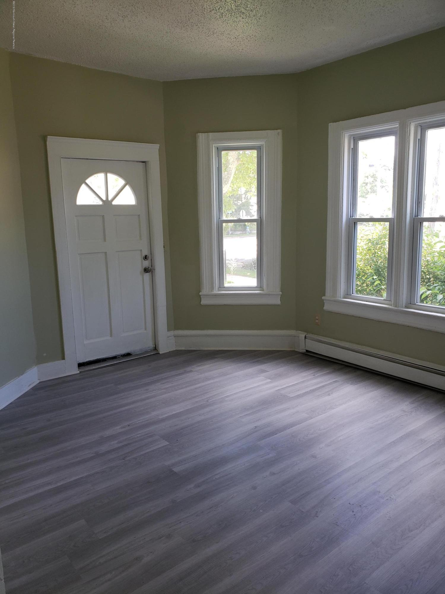 Spacious 3 bed 1 bath with high ceilings and hardwood floors, and private porch Located 1&1/2 blocks to downtown. 1/2 block from NJ Transit hub. Shared side yard and driveway. Tenants must have good credit. No pets, no smoking.