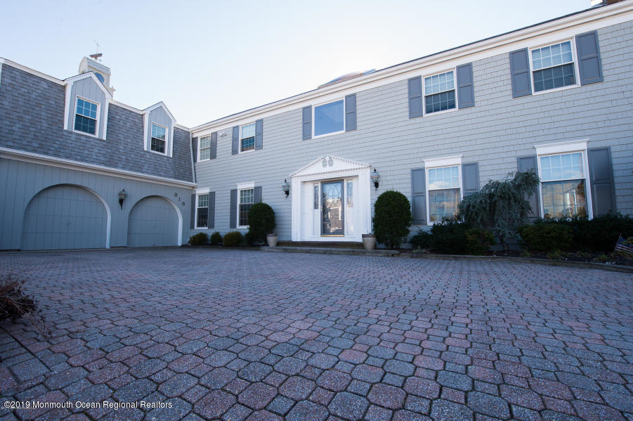 Photo of 319 Cove Drive, Mantoloking, NJ 08738