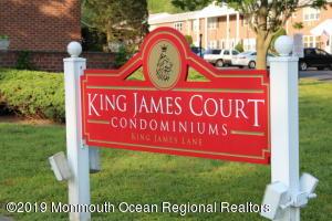 16 King James Lane, Atlantic Highlands, NJ 07716