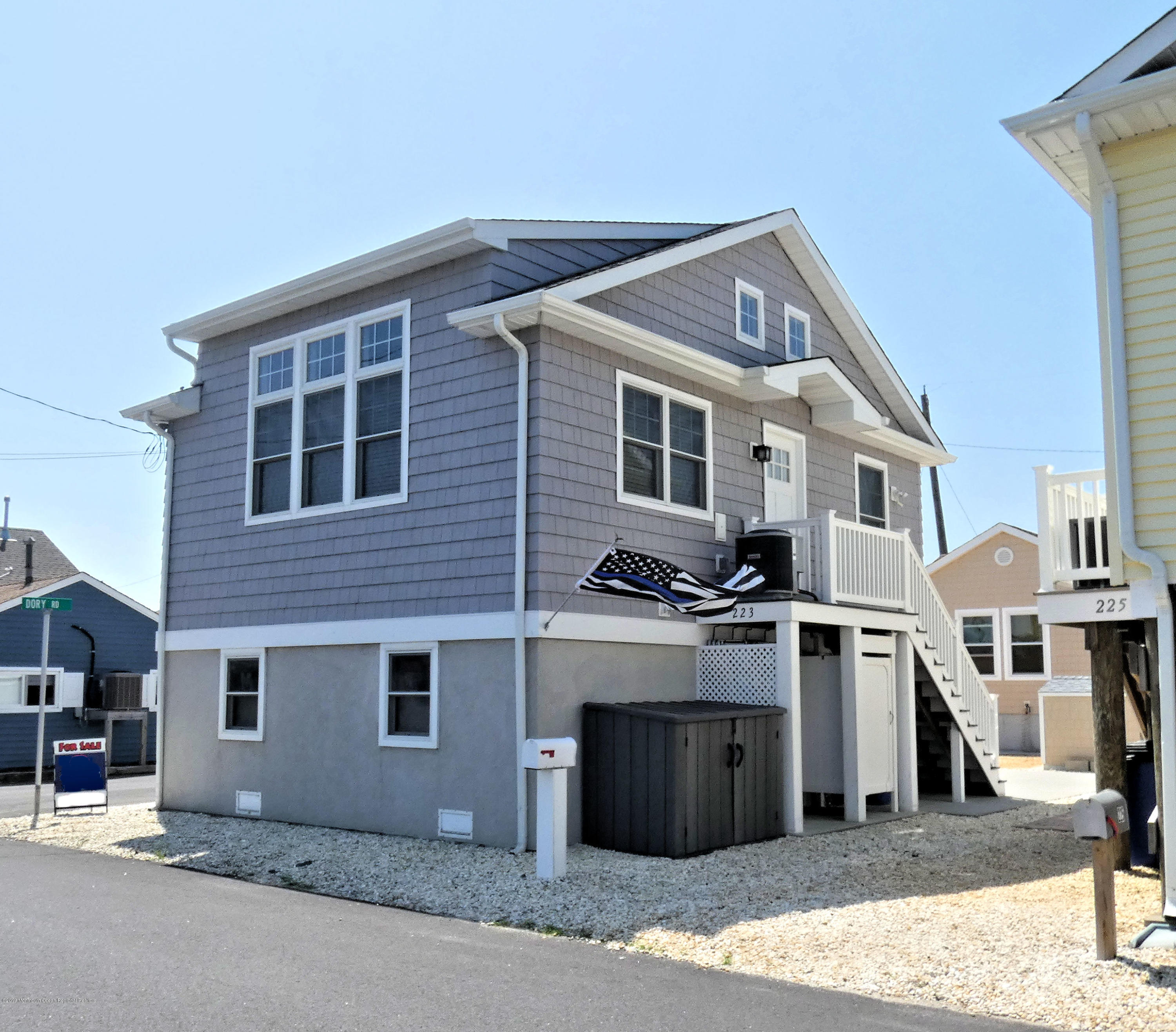 223  Harbor Drive - Picture 1