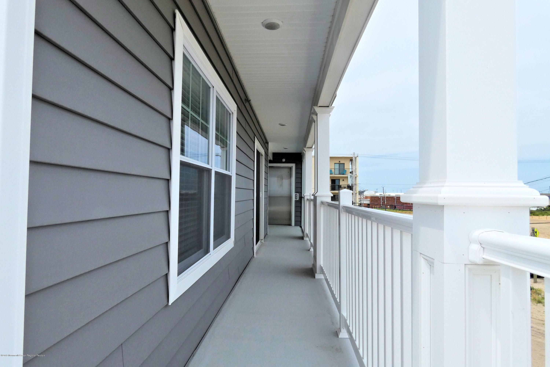 1515  Ocean Terrace - Picture 8