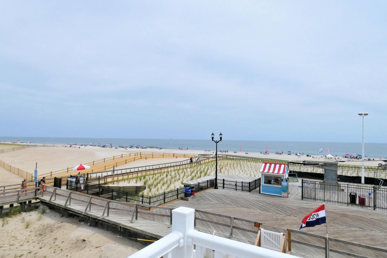 1515  Ocean Terrace - Picture 3