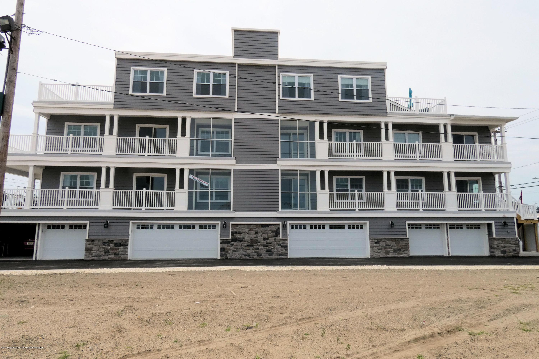 1515  Ocean Terrace - Picture 2