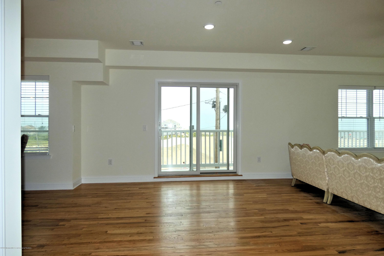 1515  Ocean Terrace - Picture 14