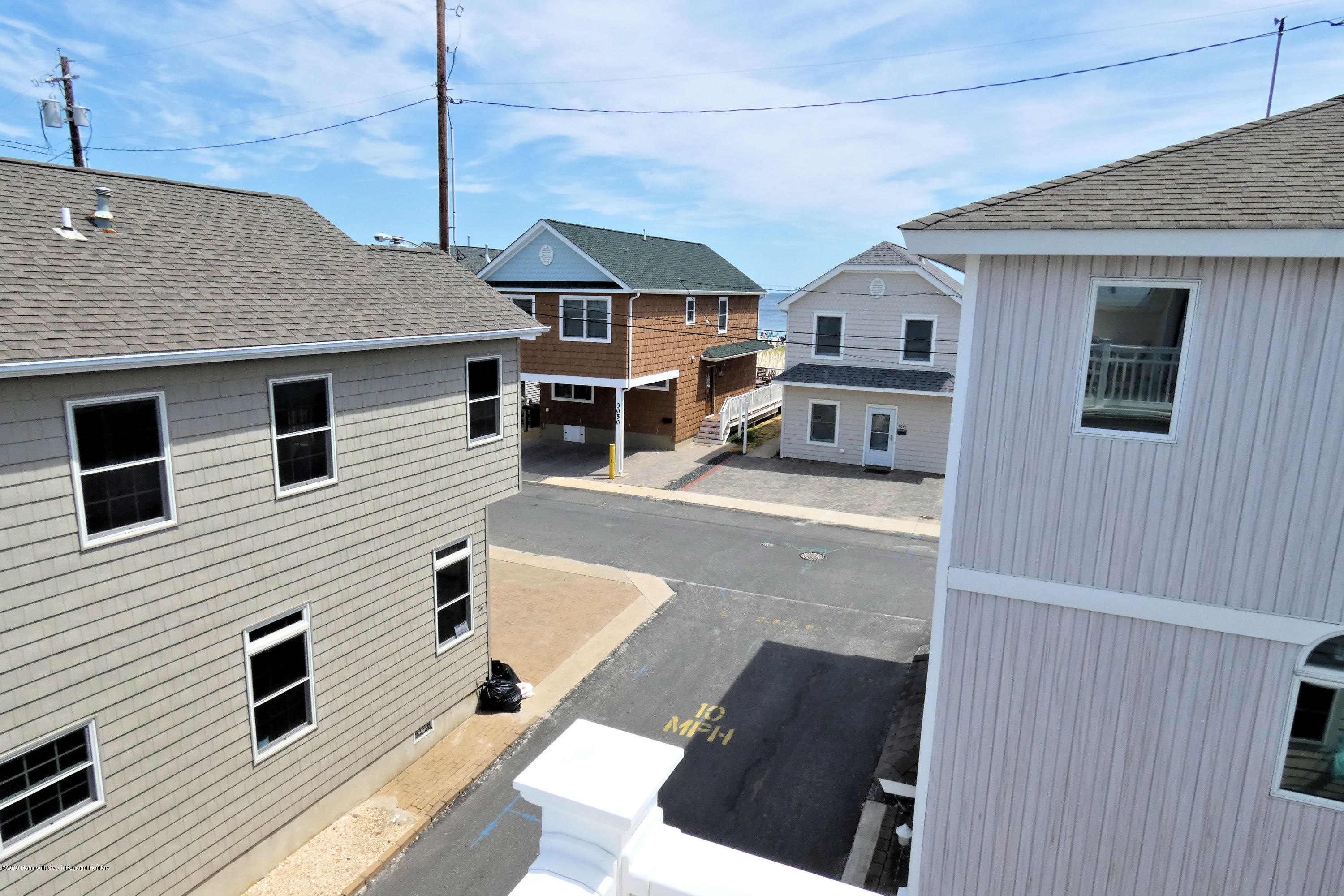 13 E Beach Way - Picture 4