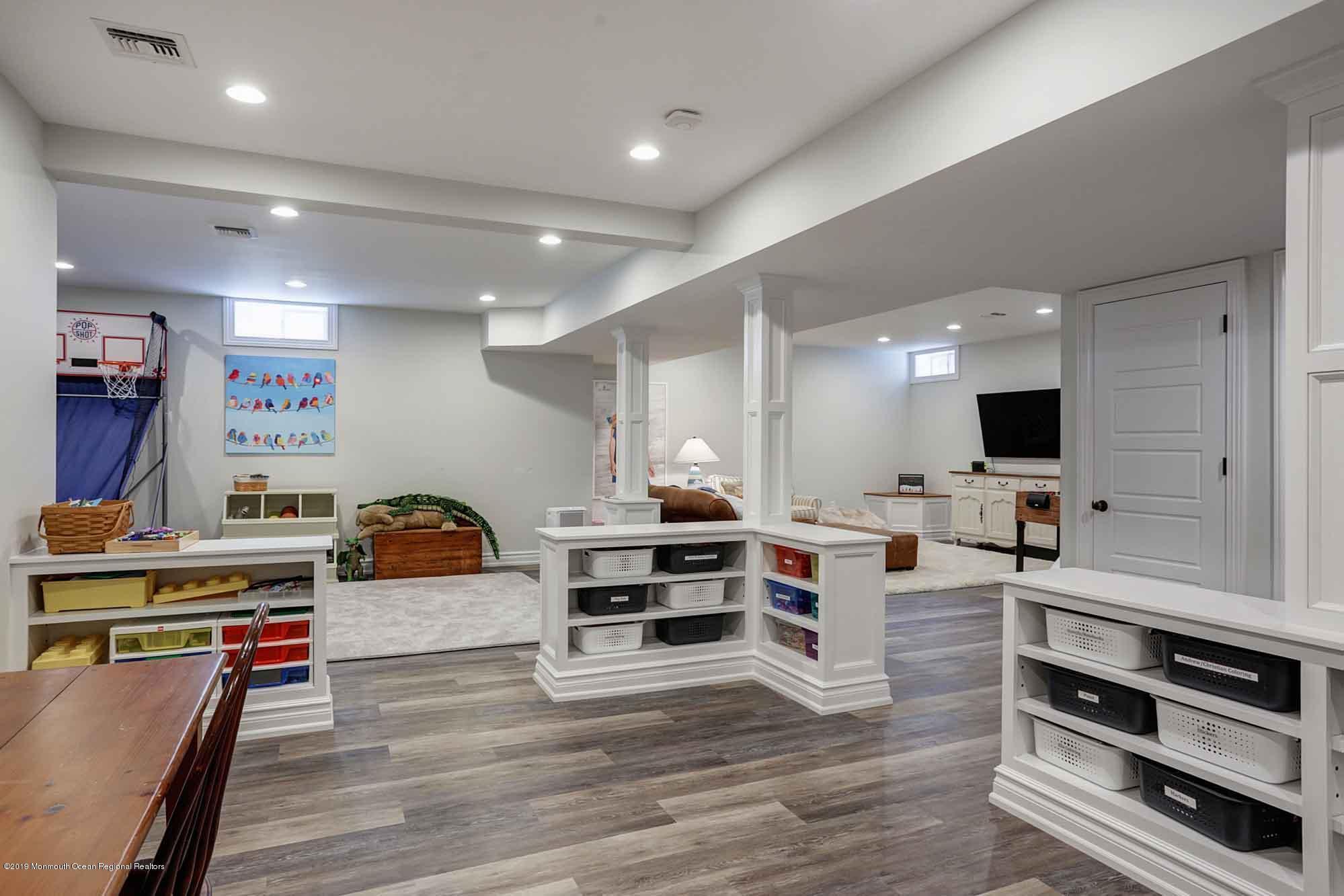 34 Park Avenue, Rumson, NJ 07760   Diane Turton, Realtors Rafter Spacing Holly Park Mobile Home on
