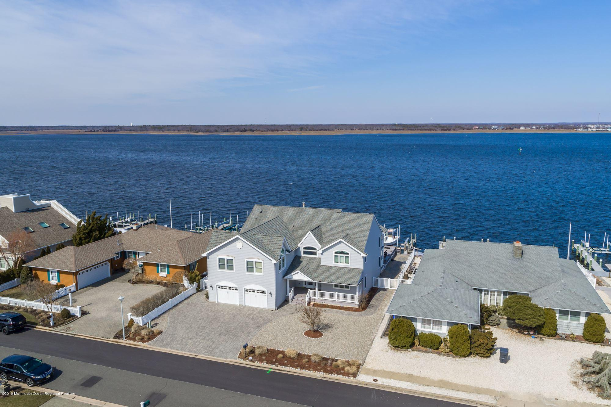 Photo of 267 Curtis Point Drive, Mantoloking, NJ 08738