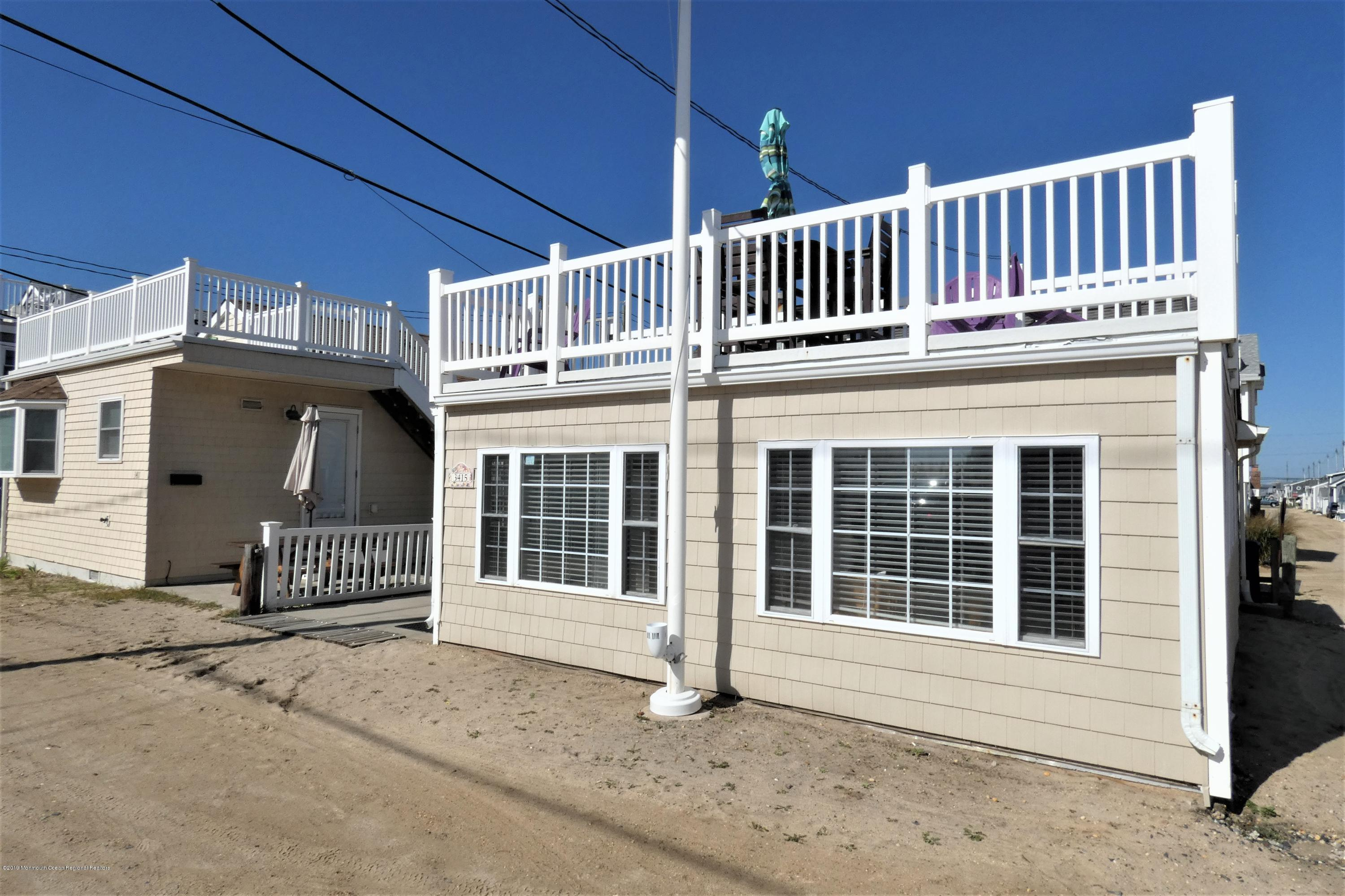 3415  Seaview Road - Picture 1