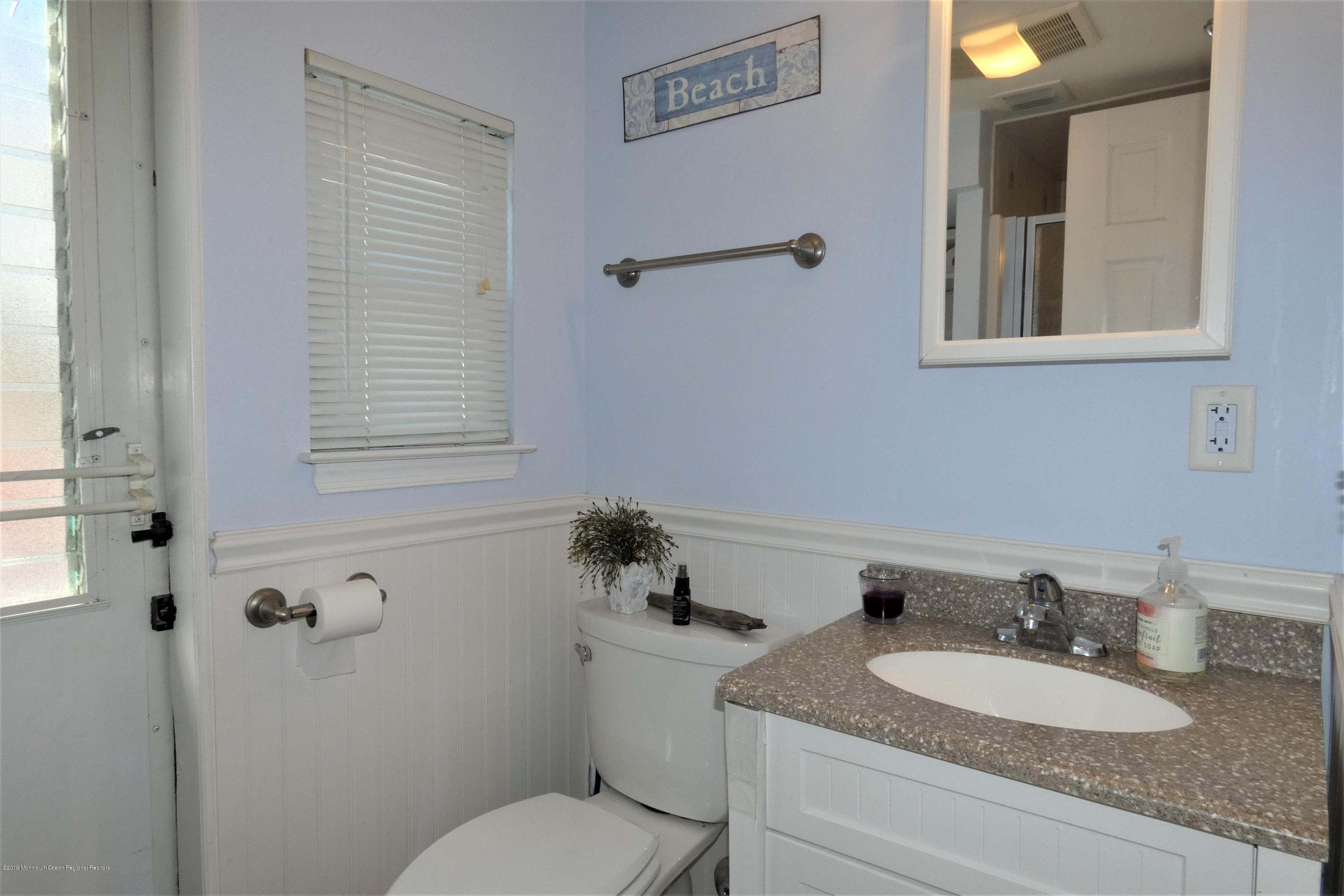 3415  Seaview Road - Picture 7