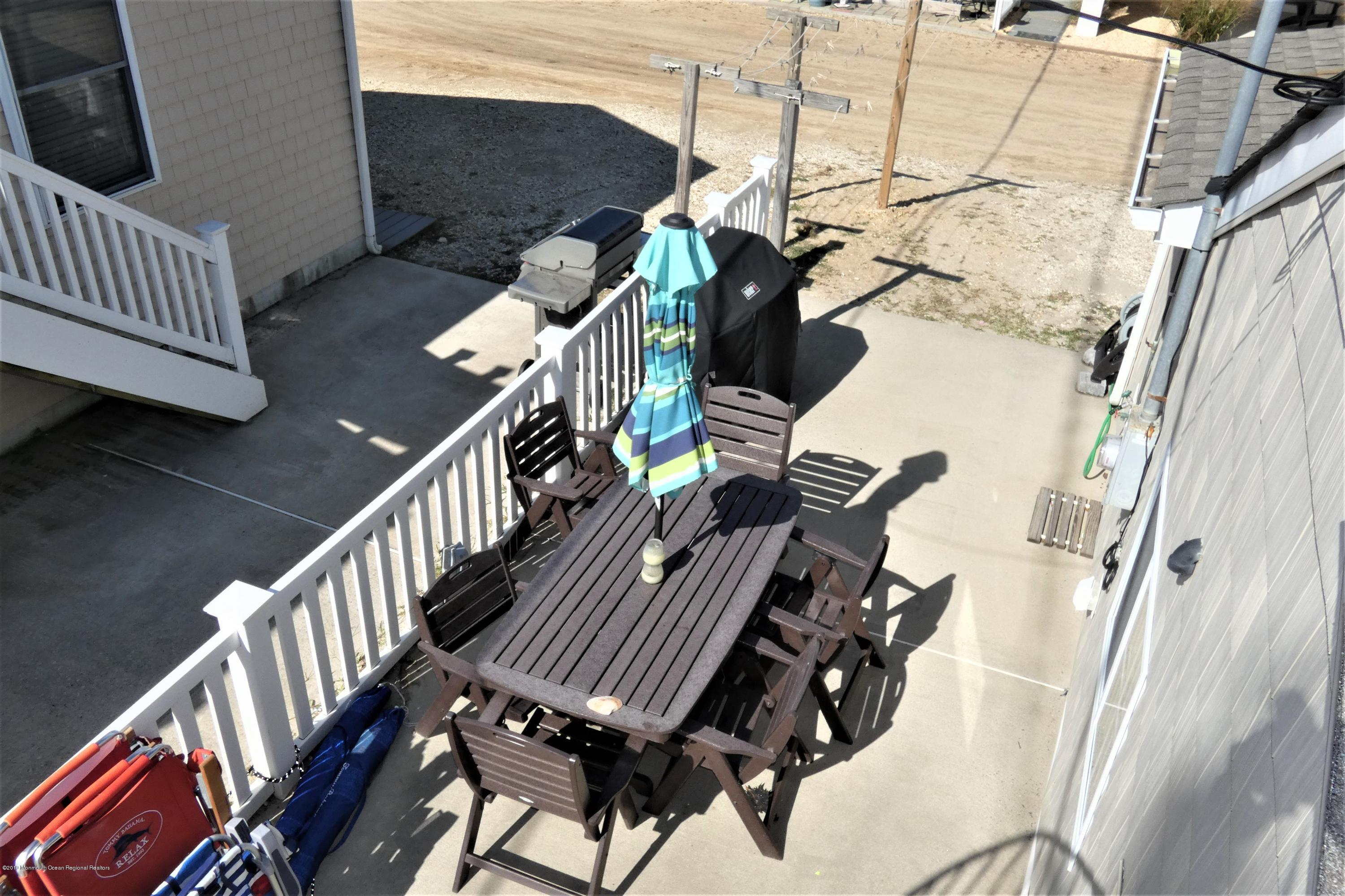 3415  Seaview Road - Picture 19