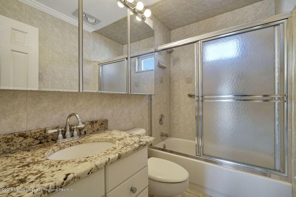 2100  Grand Central Avenue - Picture 23