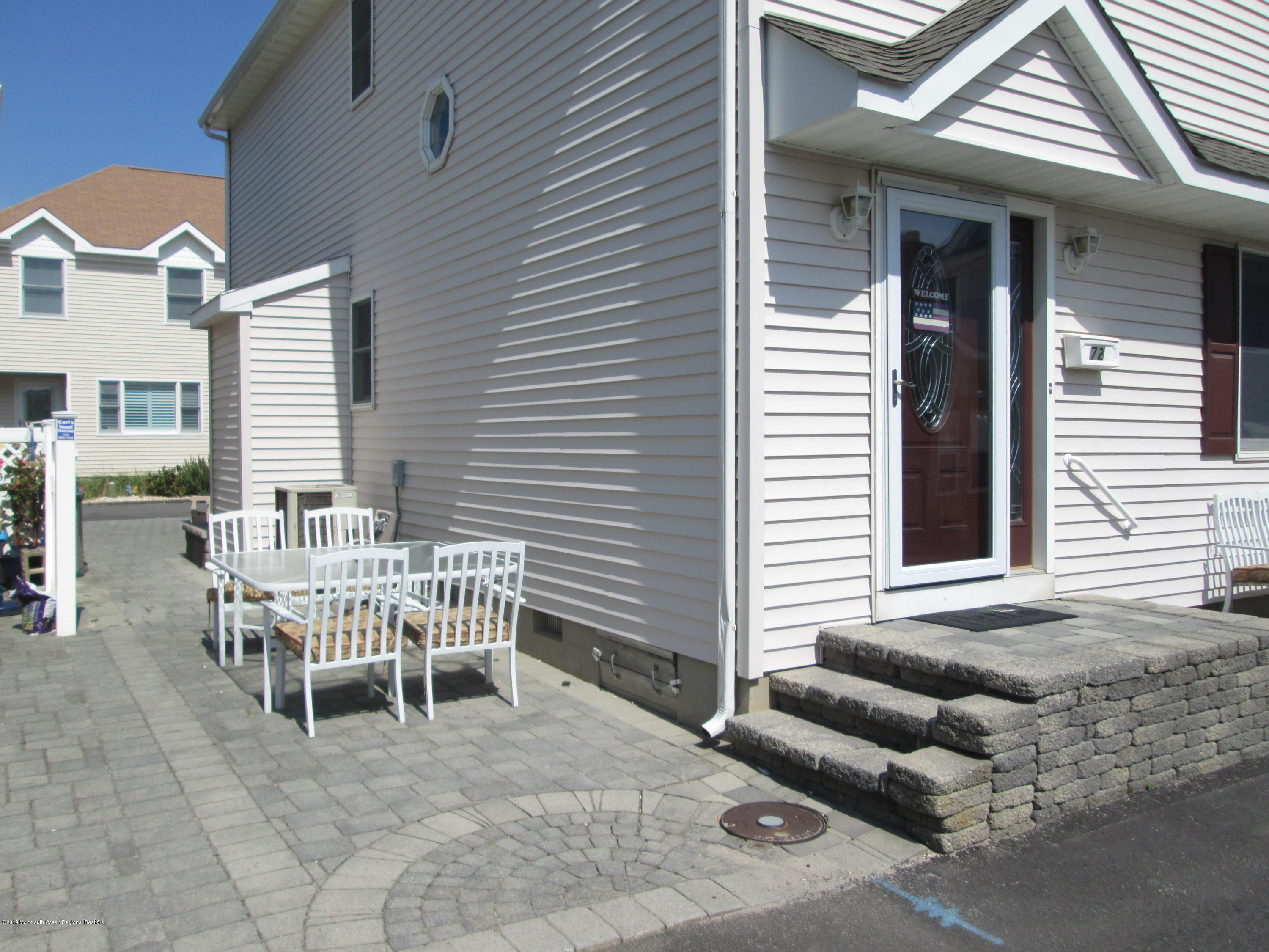 72  Beach Way - Picture 2