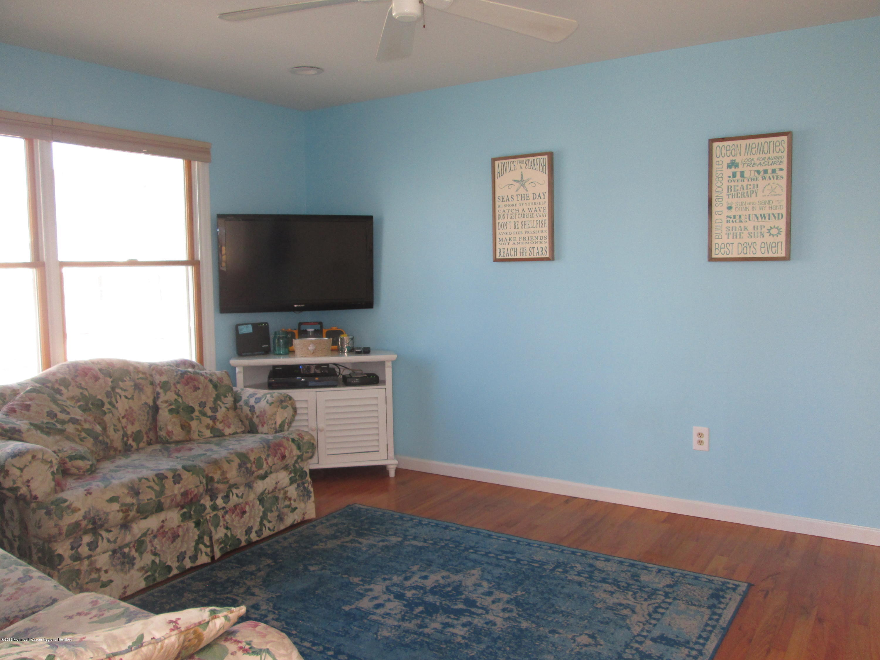 72  Beach Way - Picture 13