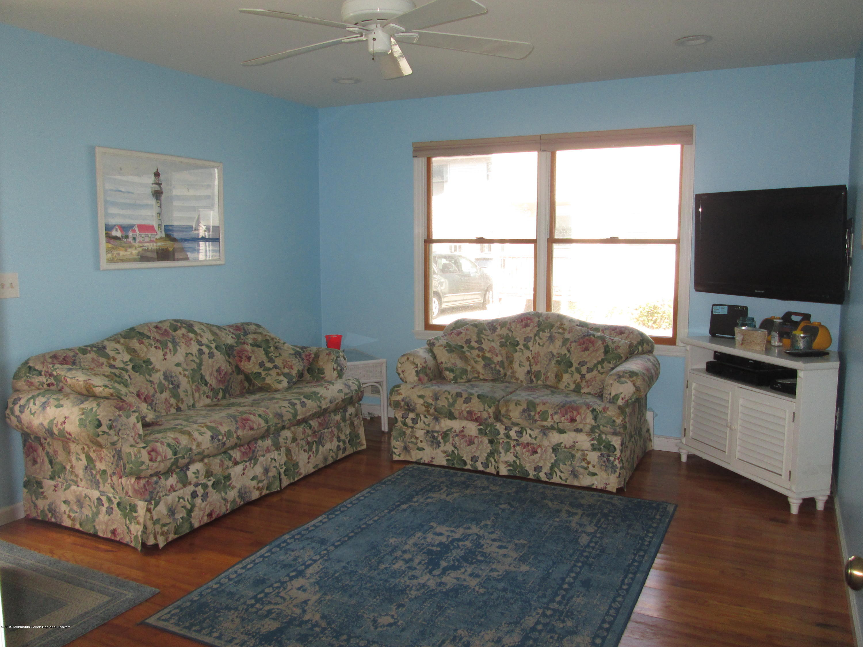 72  Beach Way - Picture 12