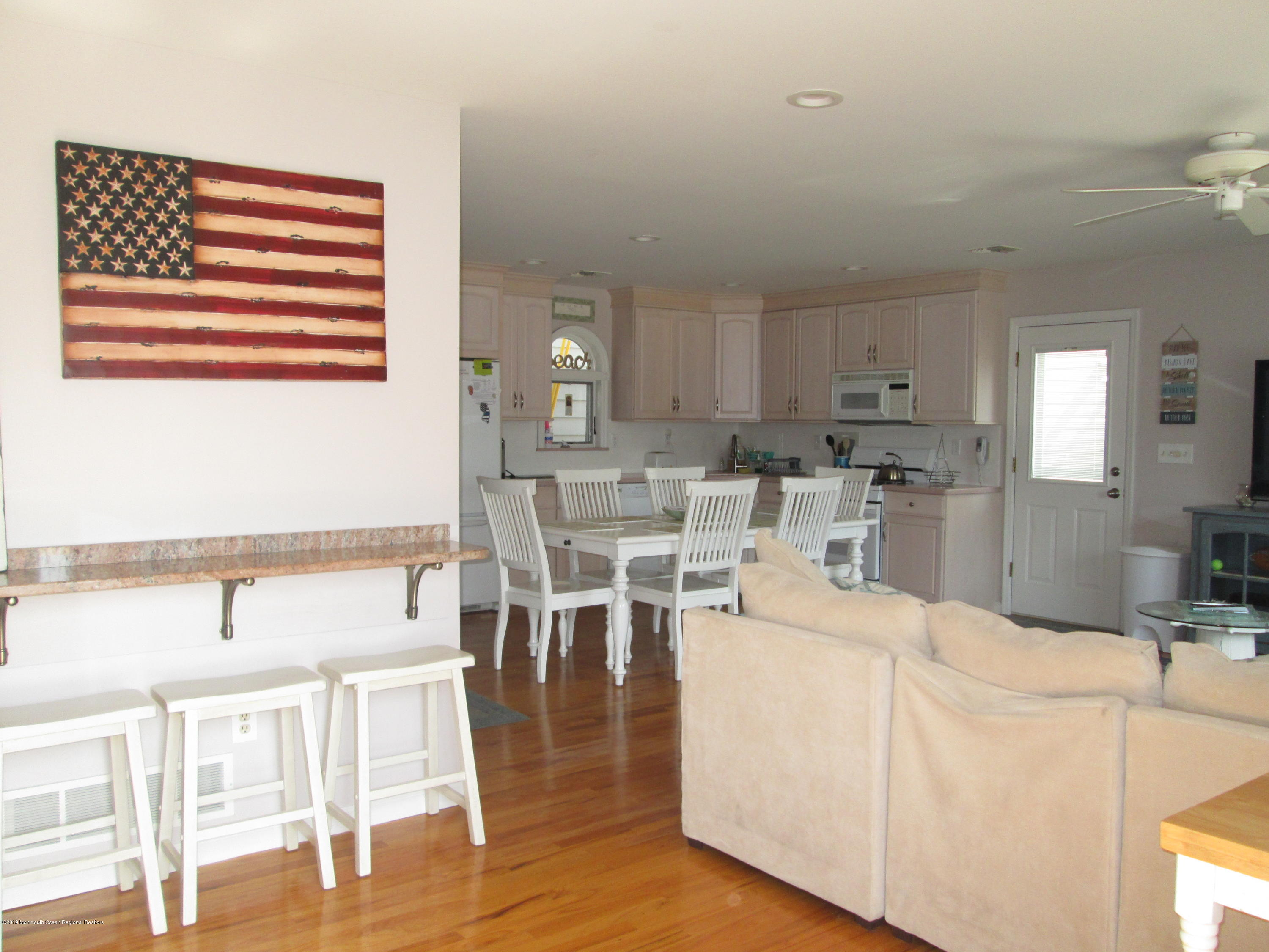 72  Beach Way - Picture 5