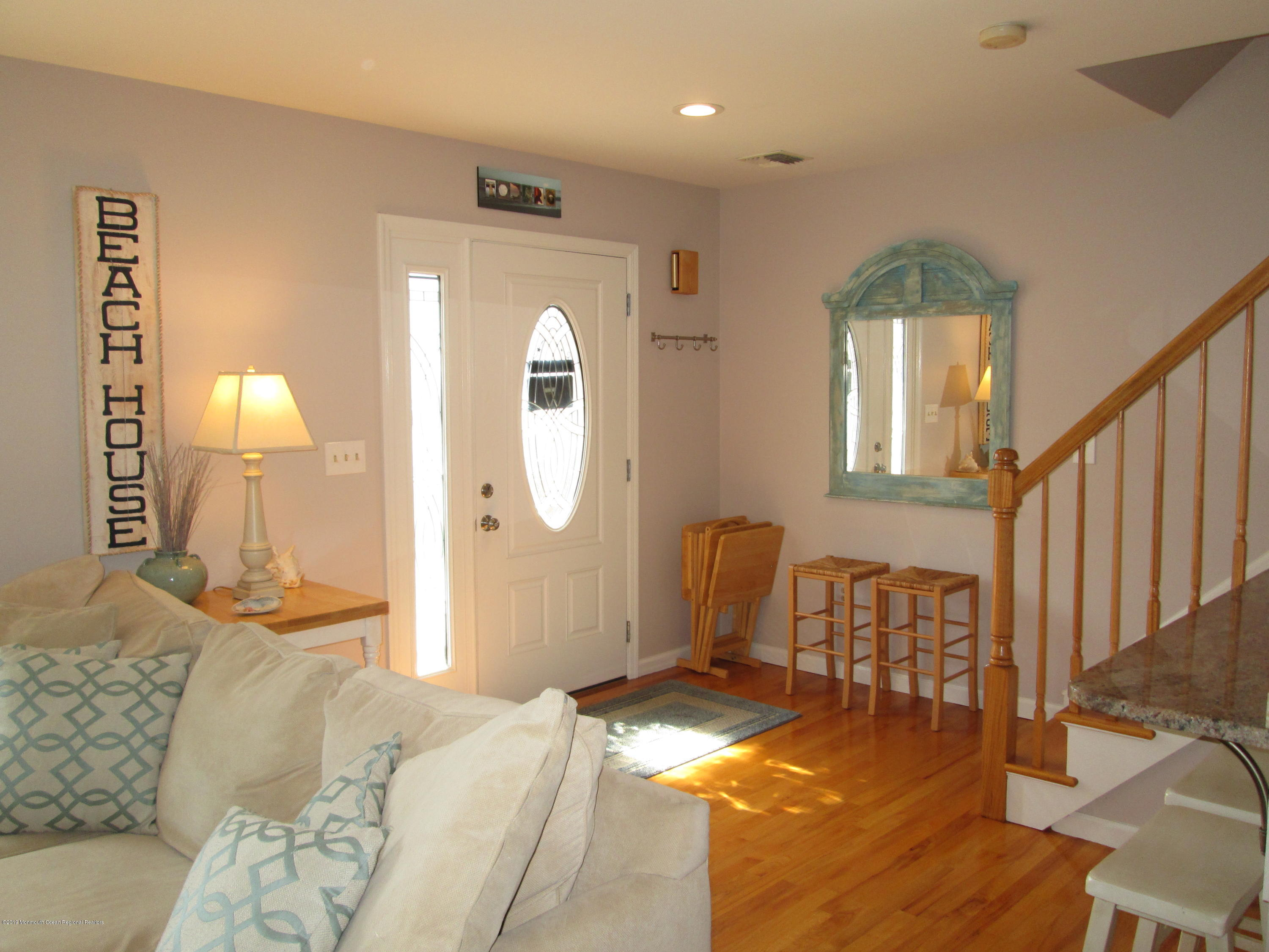 72  Beach Way - Picture 7