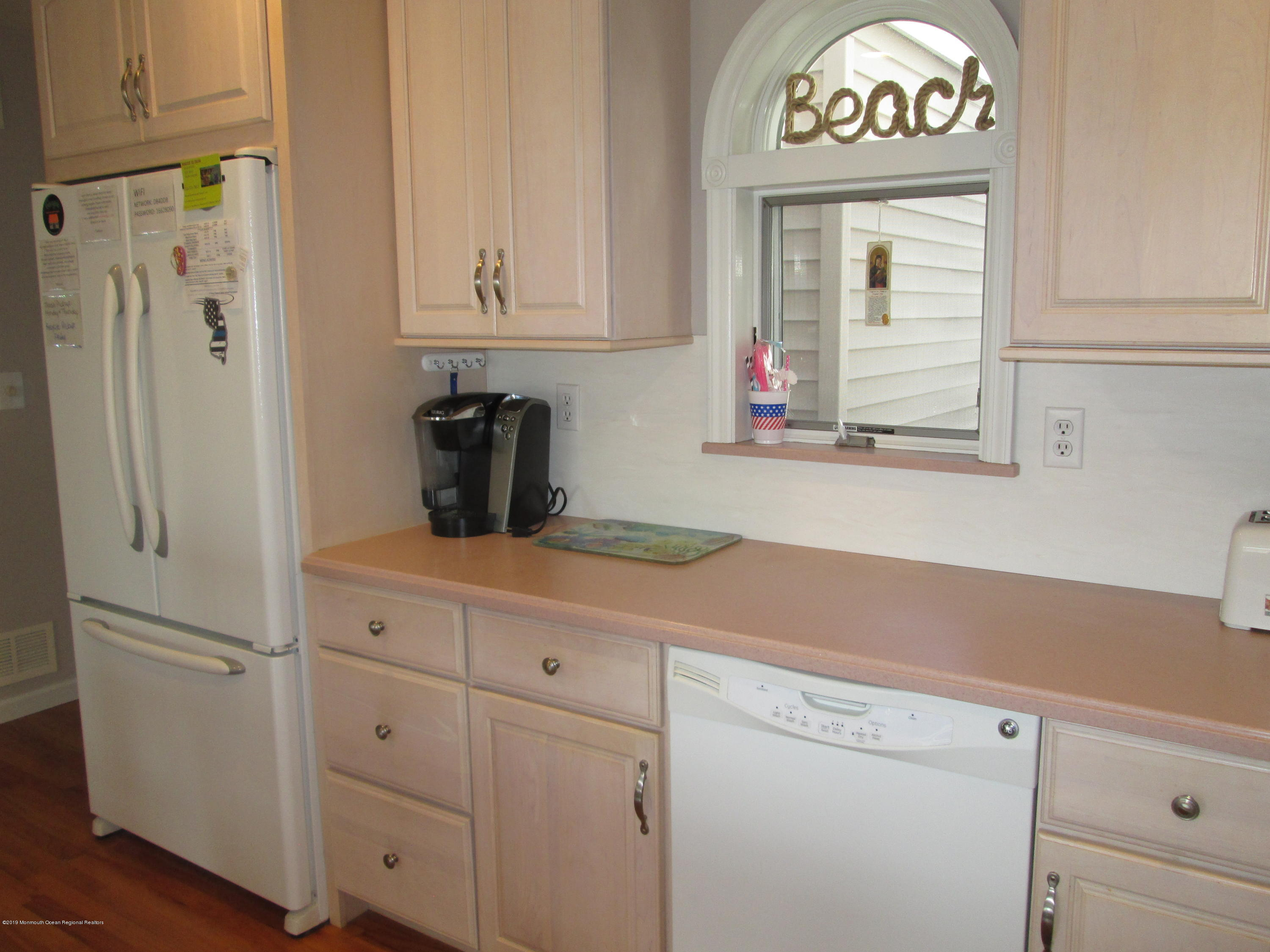 72  Beach Way - Picture 11