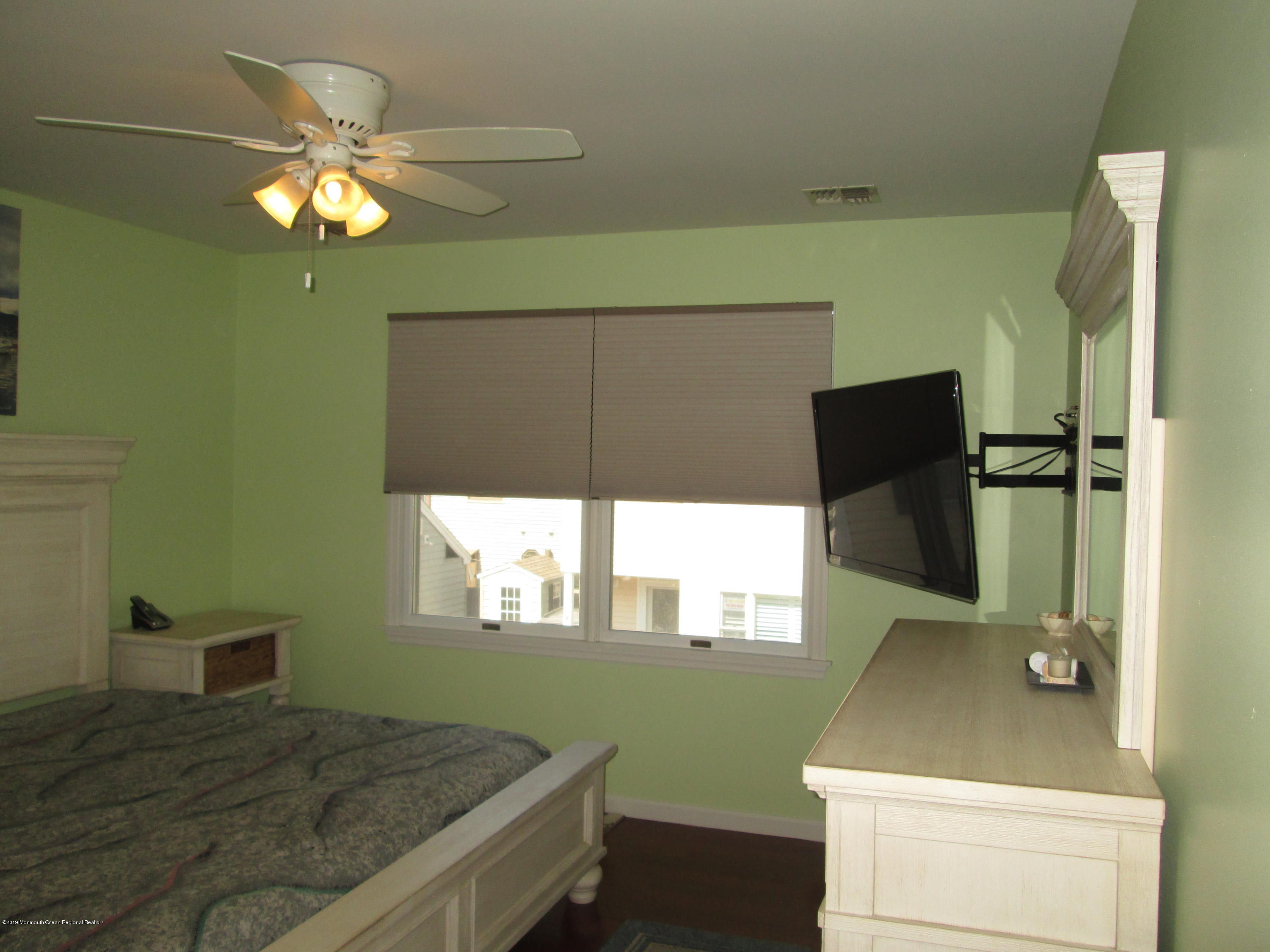 72  Beach Way - Picture 19