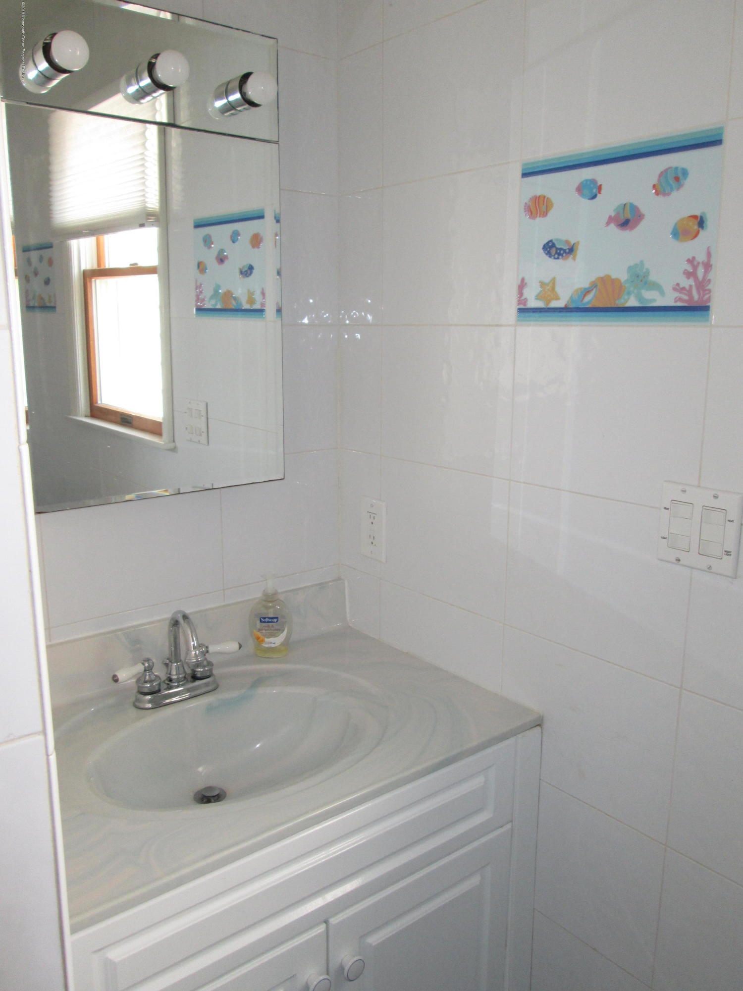 72  Beach Way - Picture 16