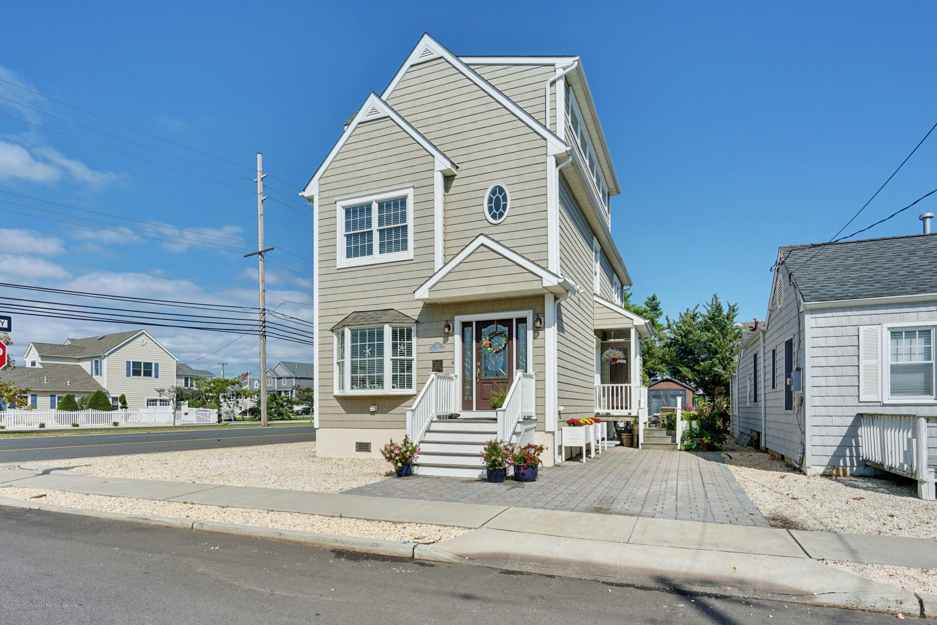 Photo of 122 4th Avenue, Normandy Beach, NJ 08739