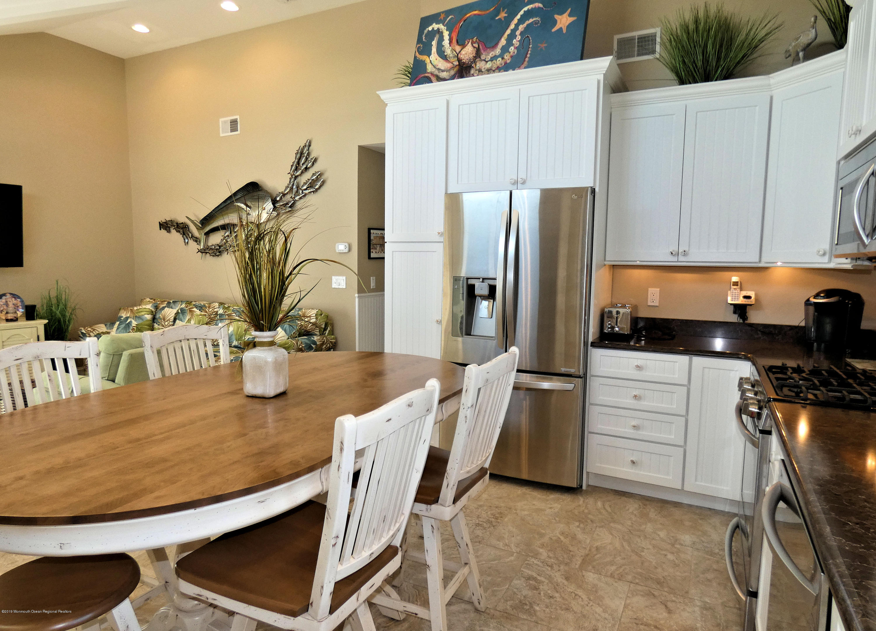 3262  Seaview Road - Picture 12