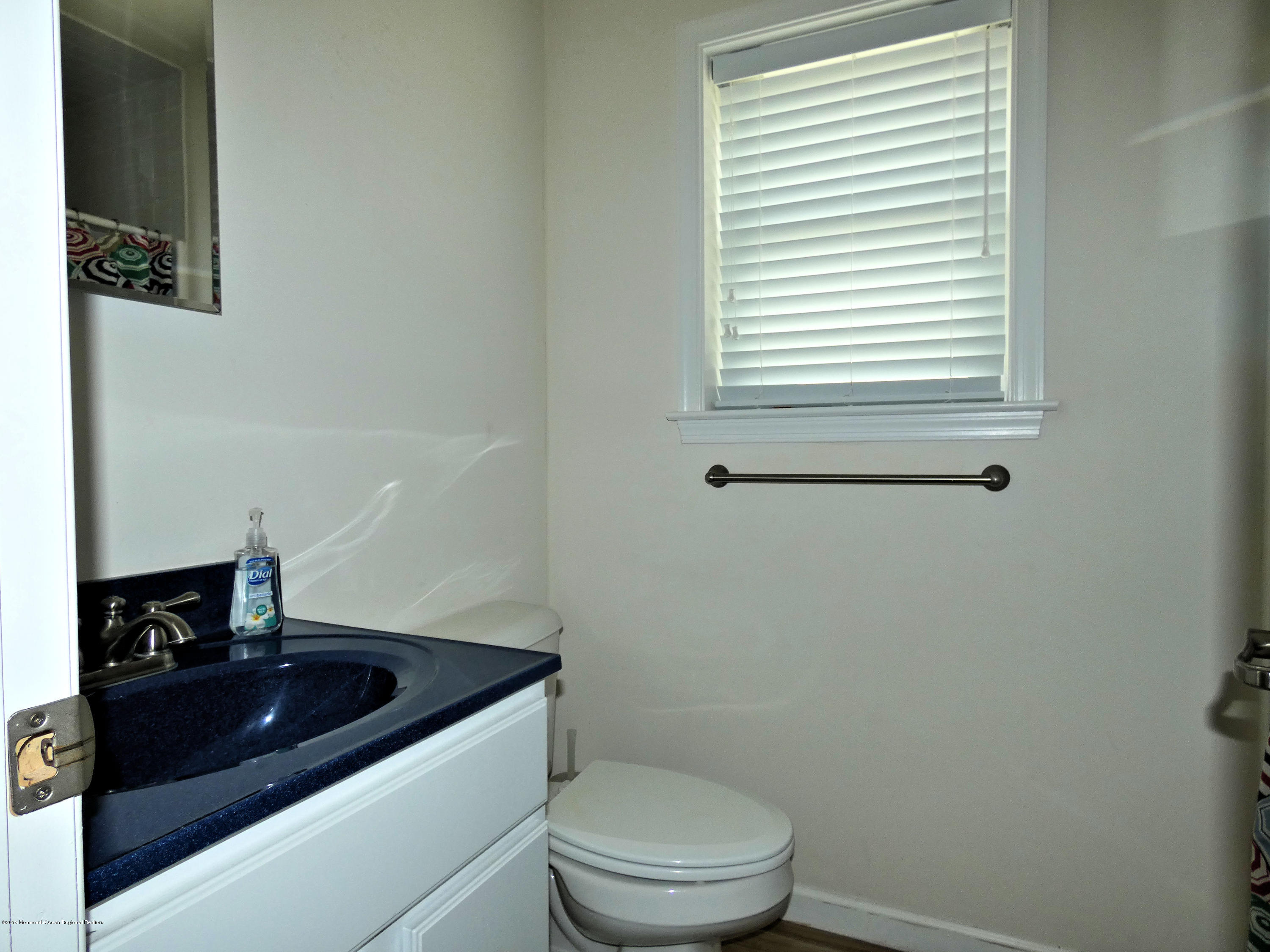 3406  Seaview Road - Picture 17