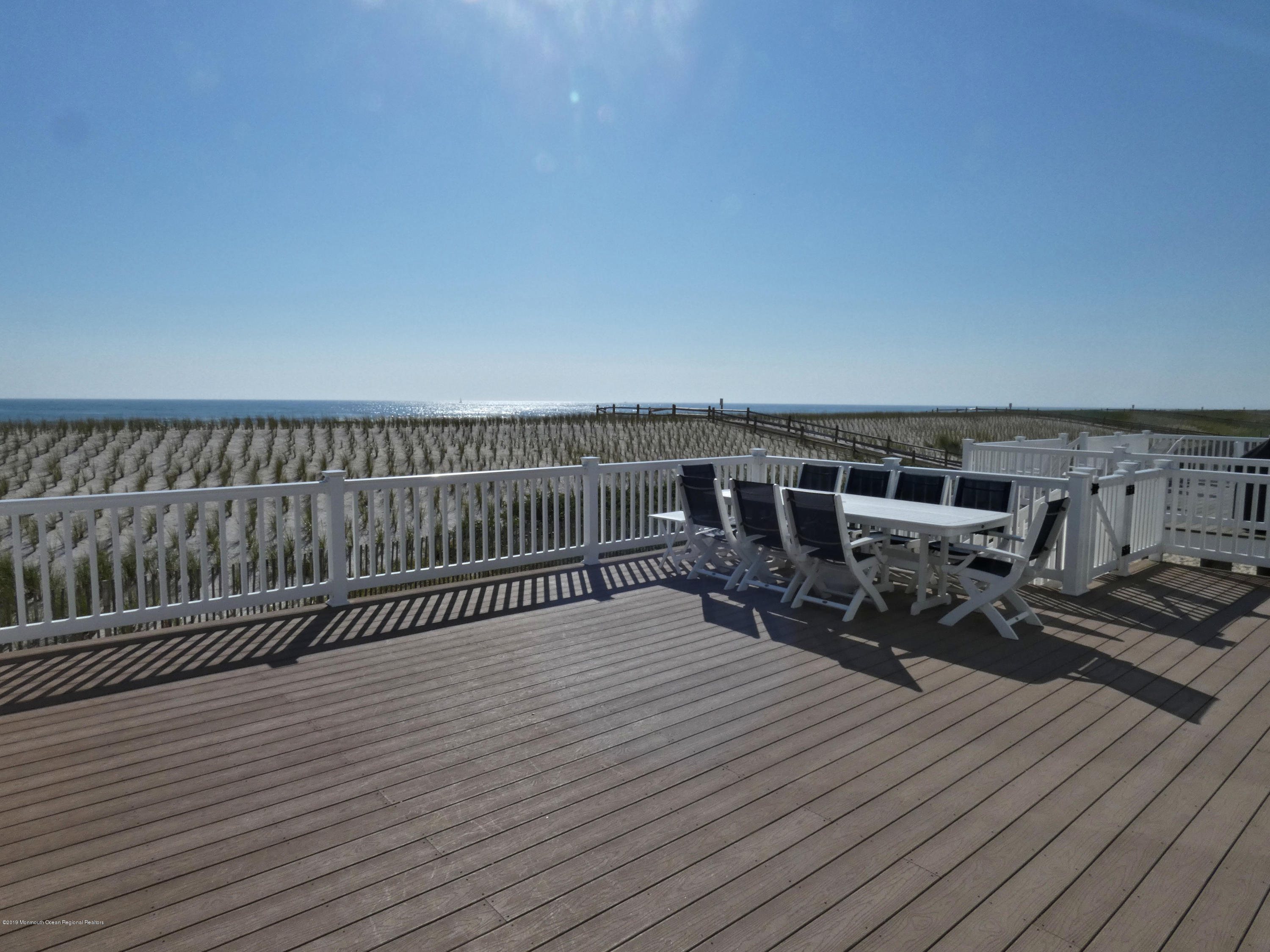 3406  Seaview Road - Picture 2