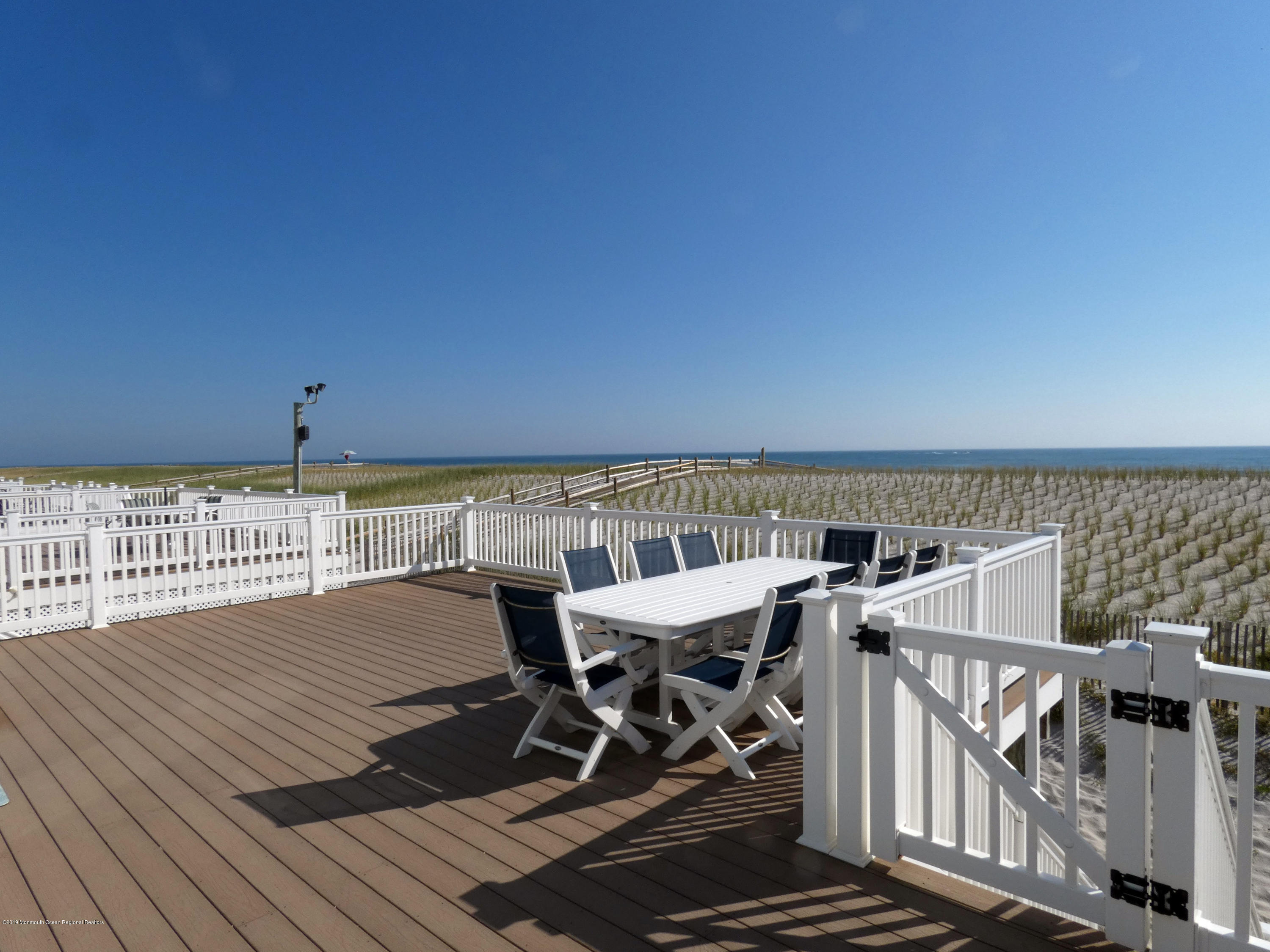 3406  Seaview Road - Picture 3