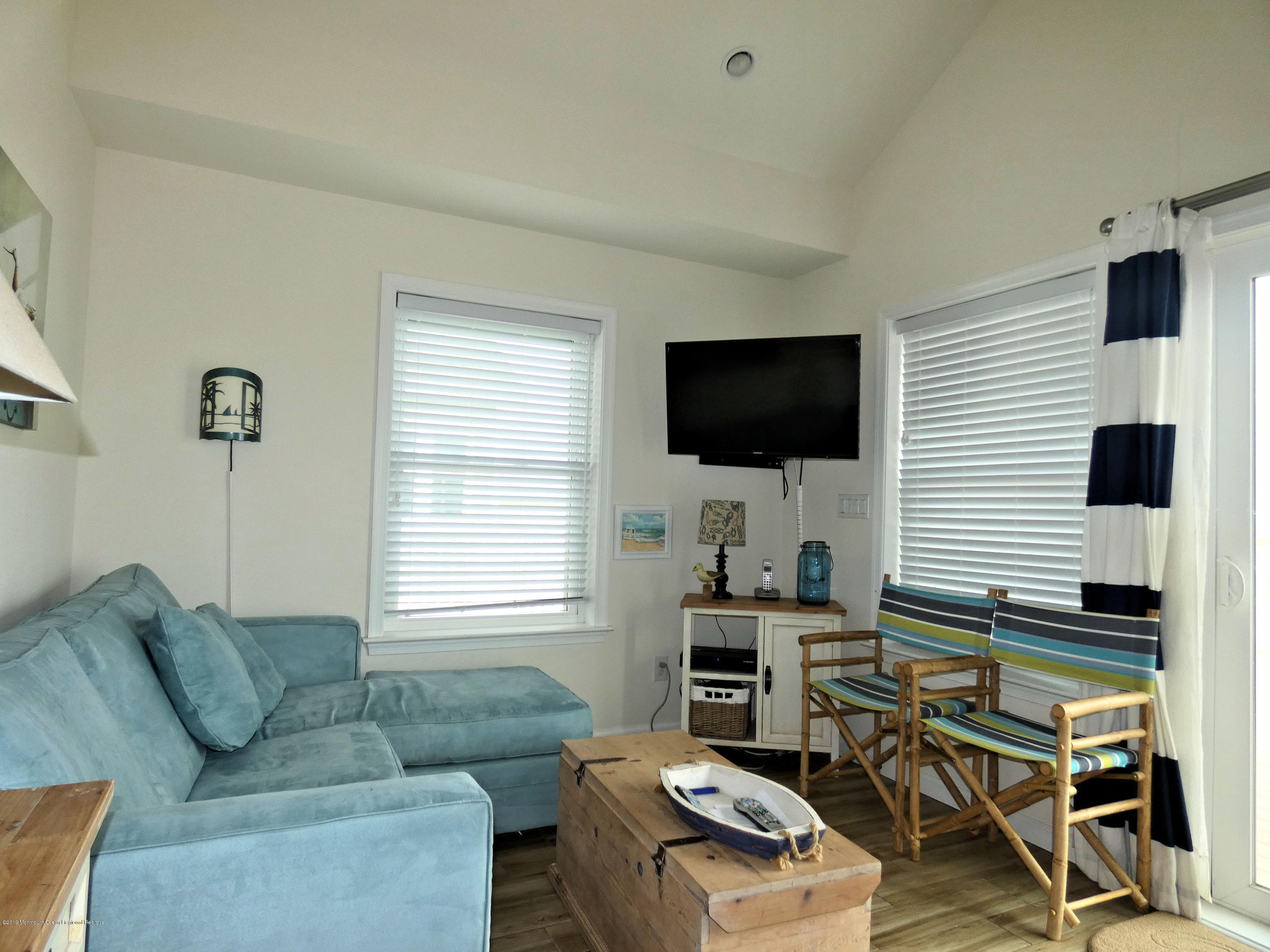 3406  Seaview Road - Picture 12