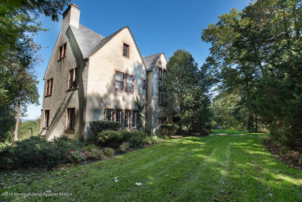 Photo of 13 Serpentine Drive, Highlands, NJ 07732