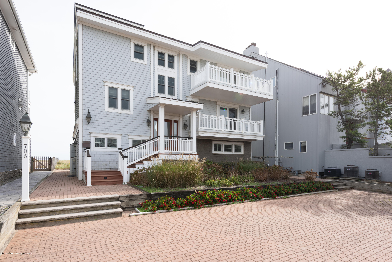 706 Morven Terrace