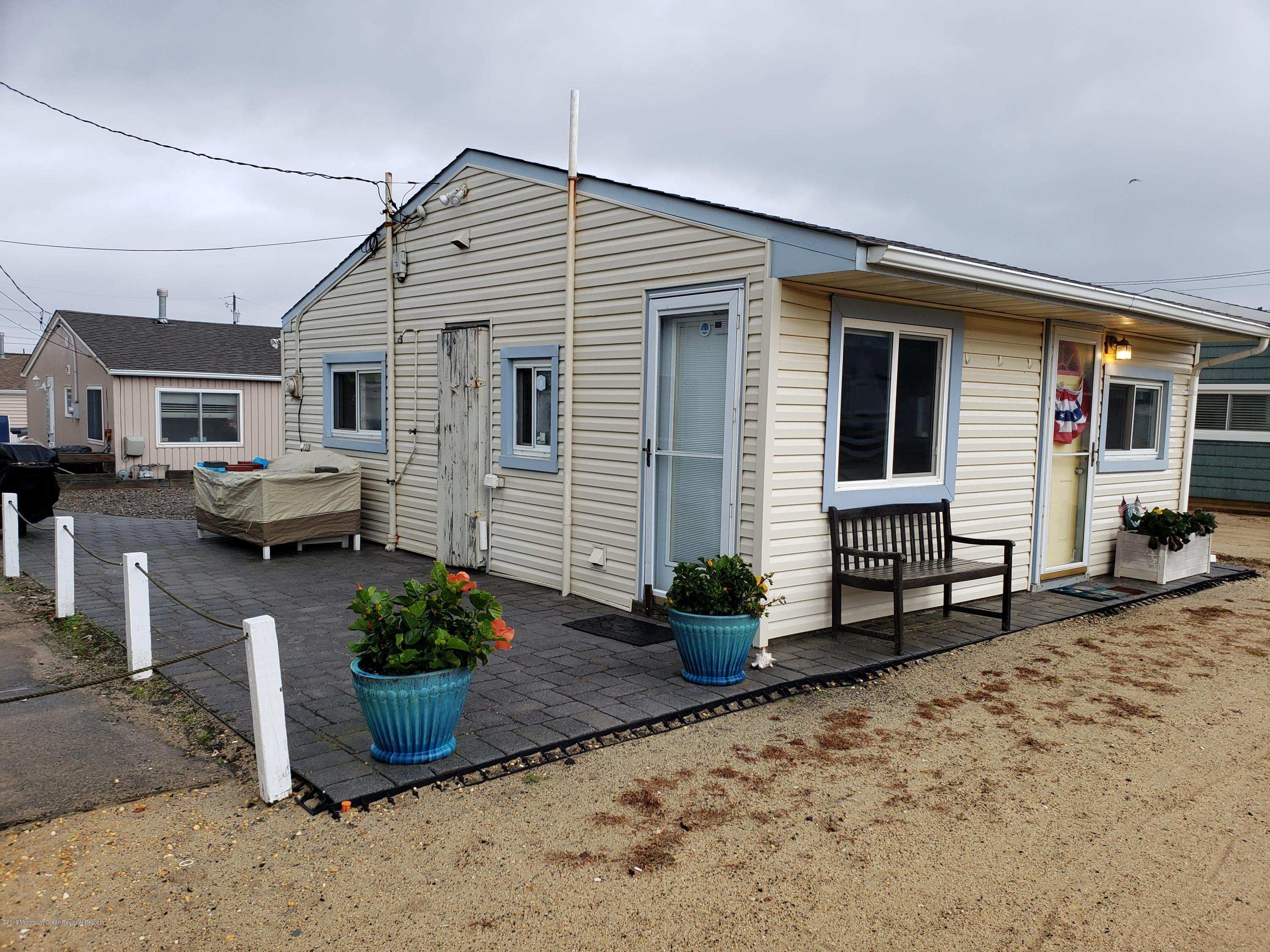 21 E Marlin Way - Lavallette
