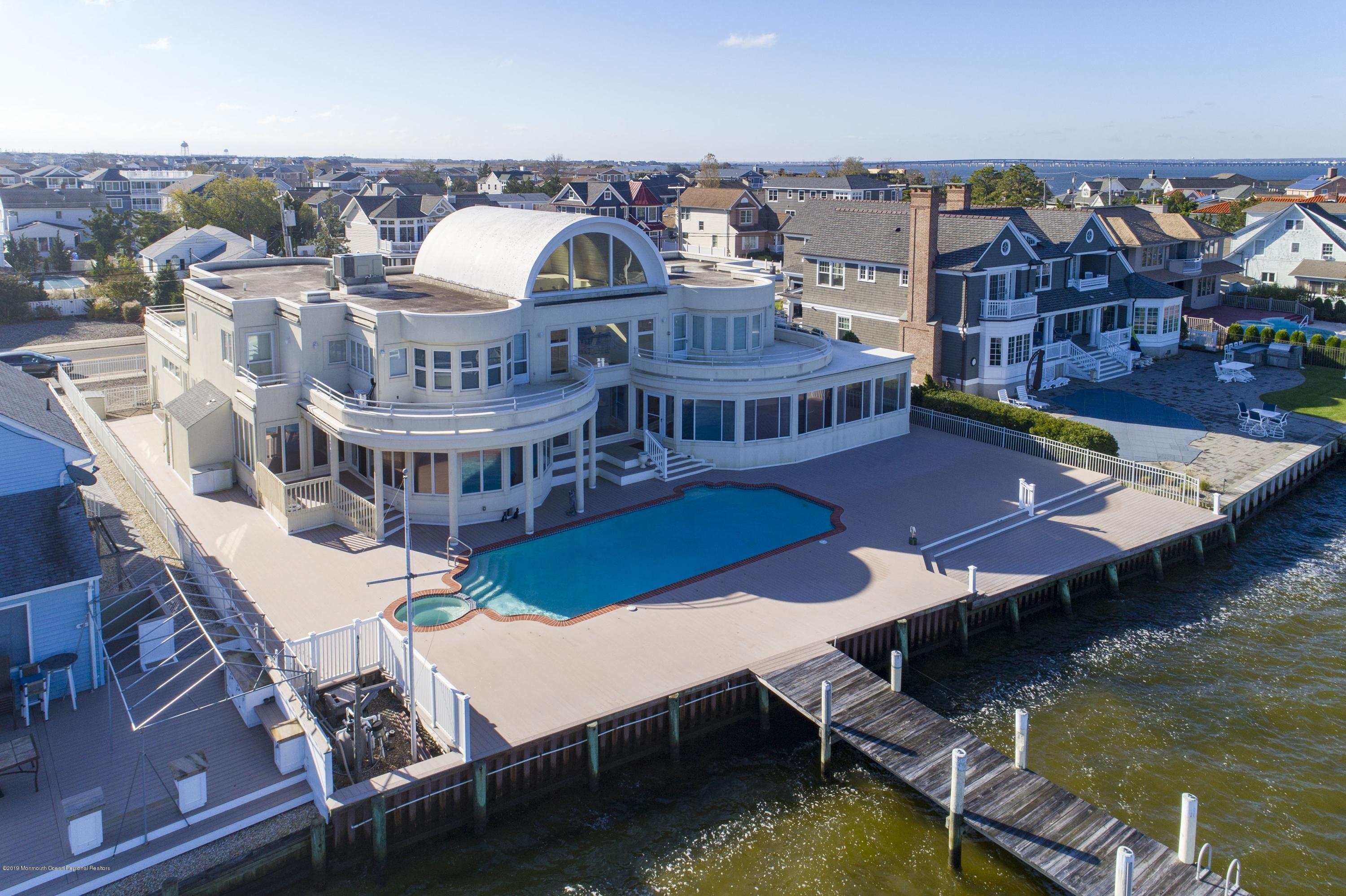 Photo of 91 Pershing Boulevard, Lavallette, NJ 08735