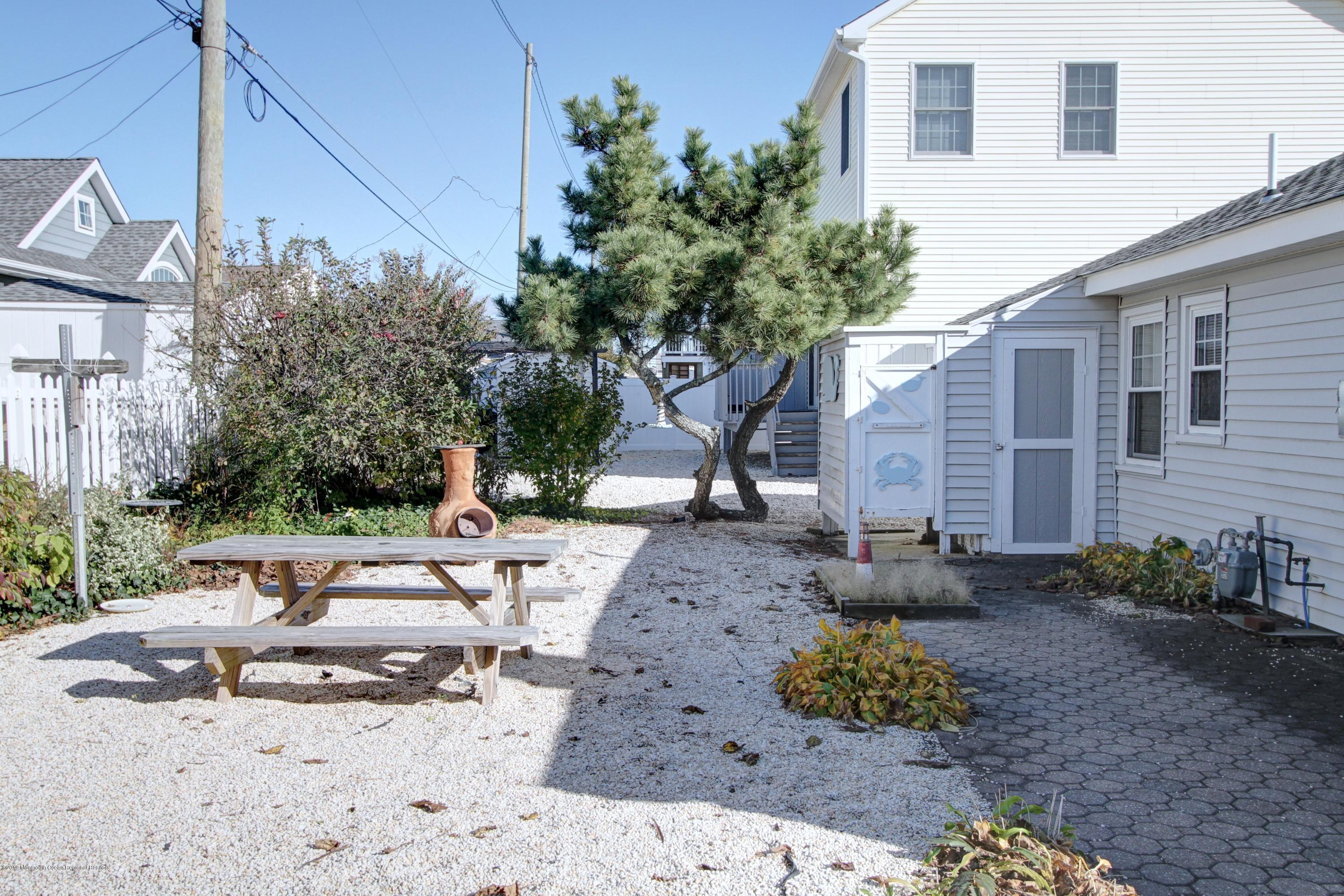 128  Kathryn Street - Picture 15