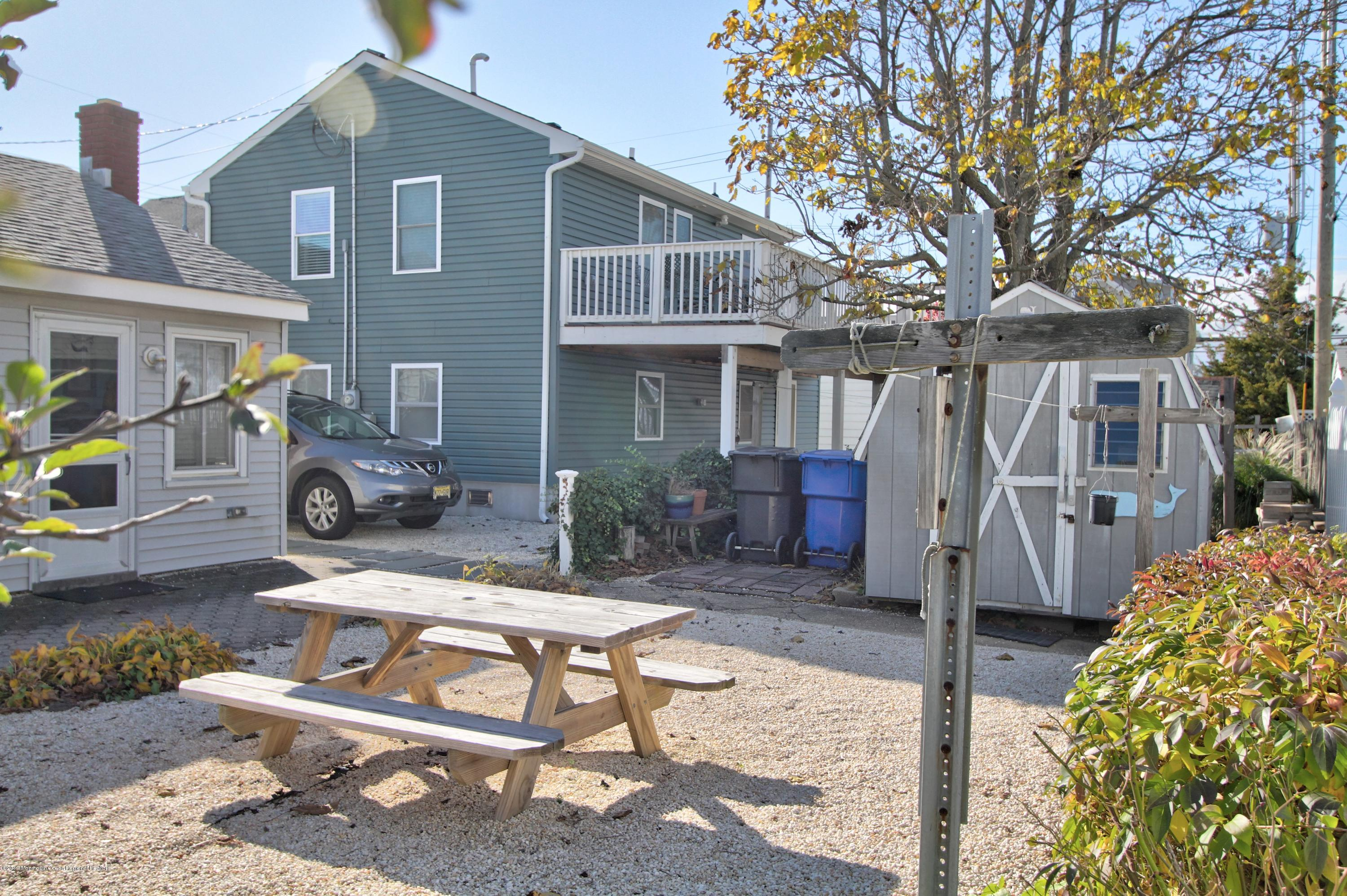 128  Kathryn Street - Picture 17