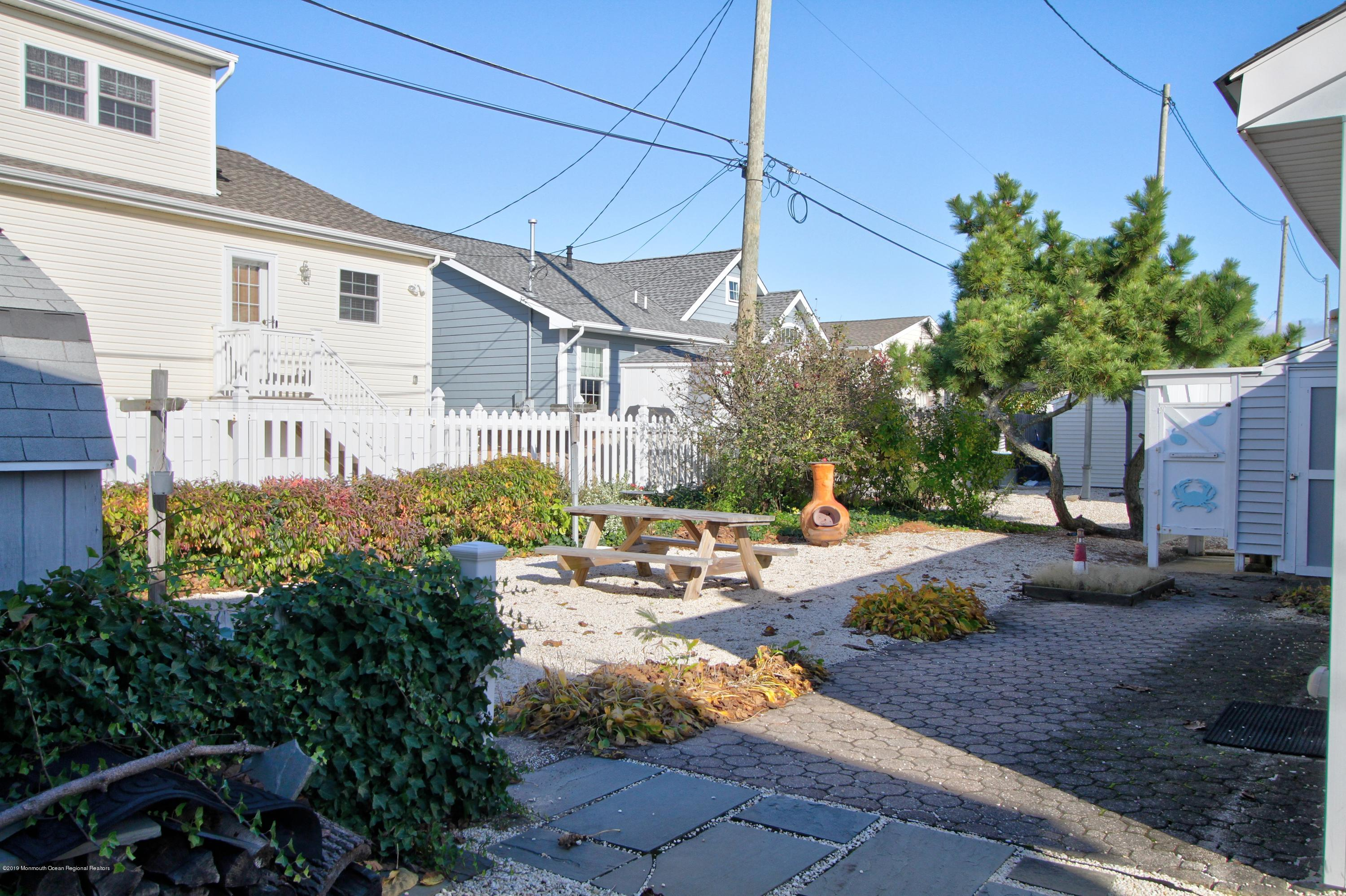 128  Kathryn Street - Picture 14