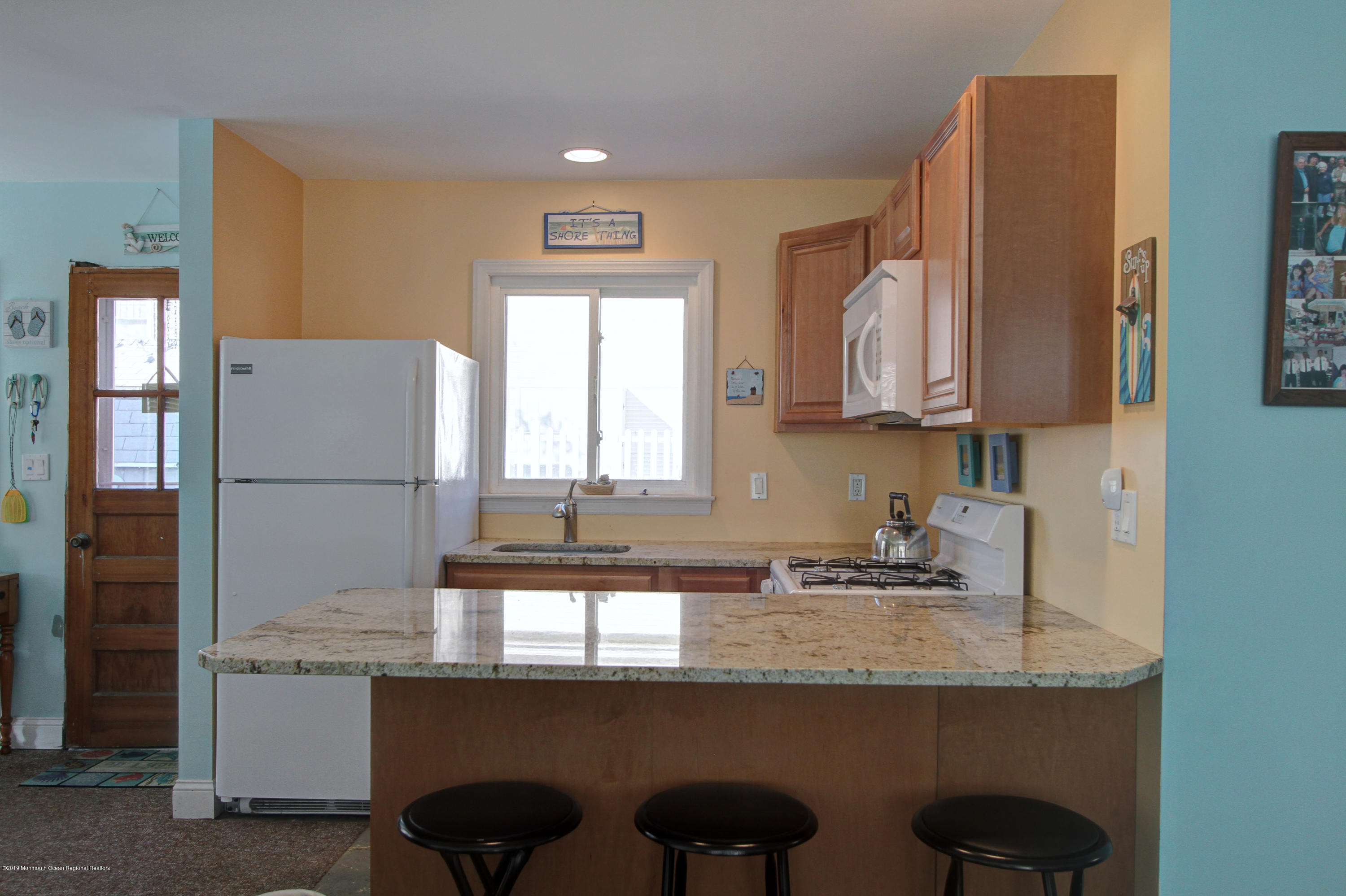128  Kathryn Street - Picture 3