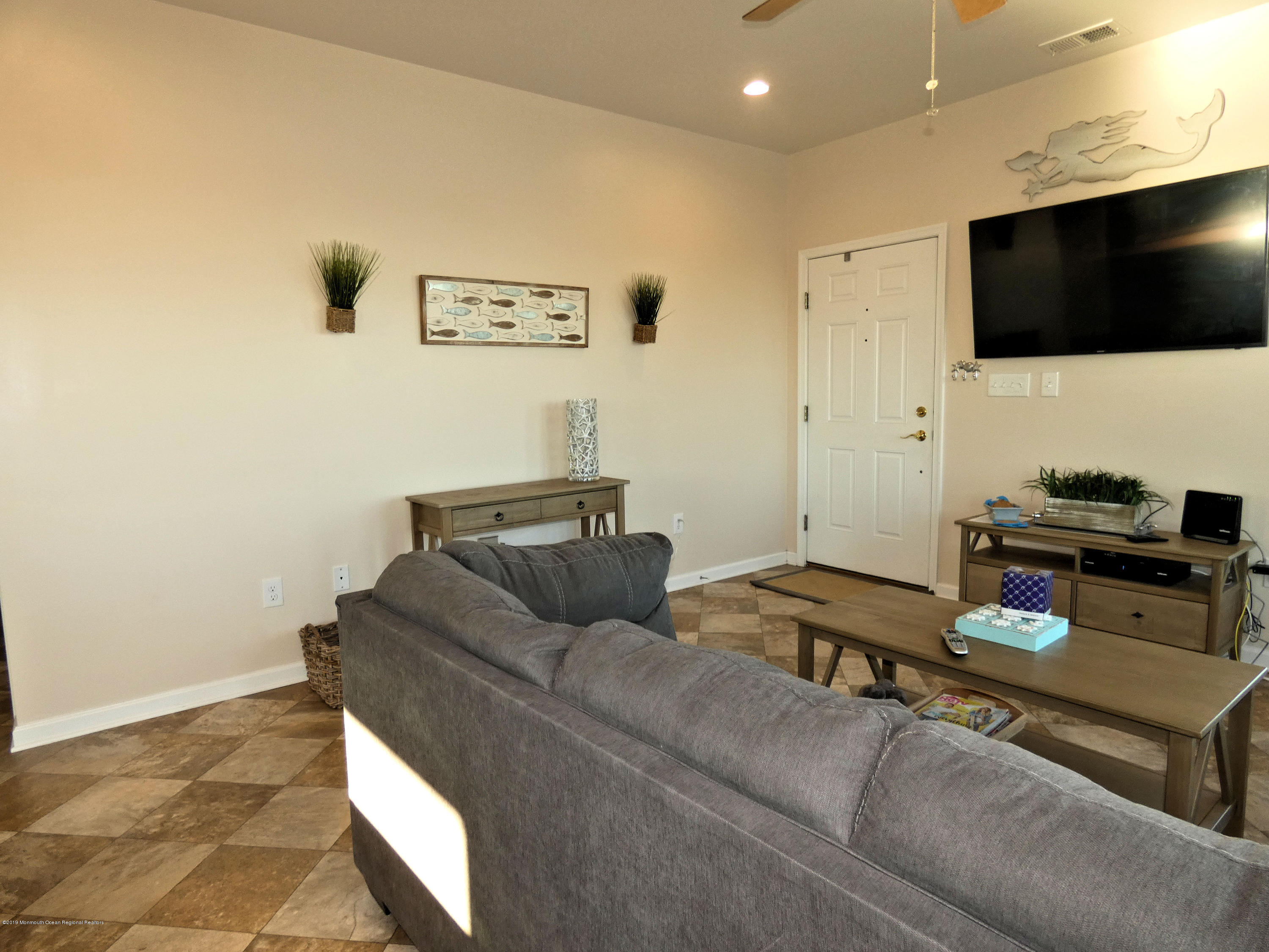 306 W Bayview Drive - Picture 7