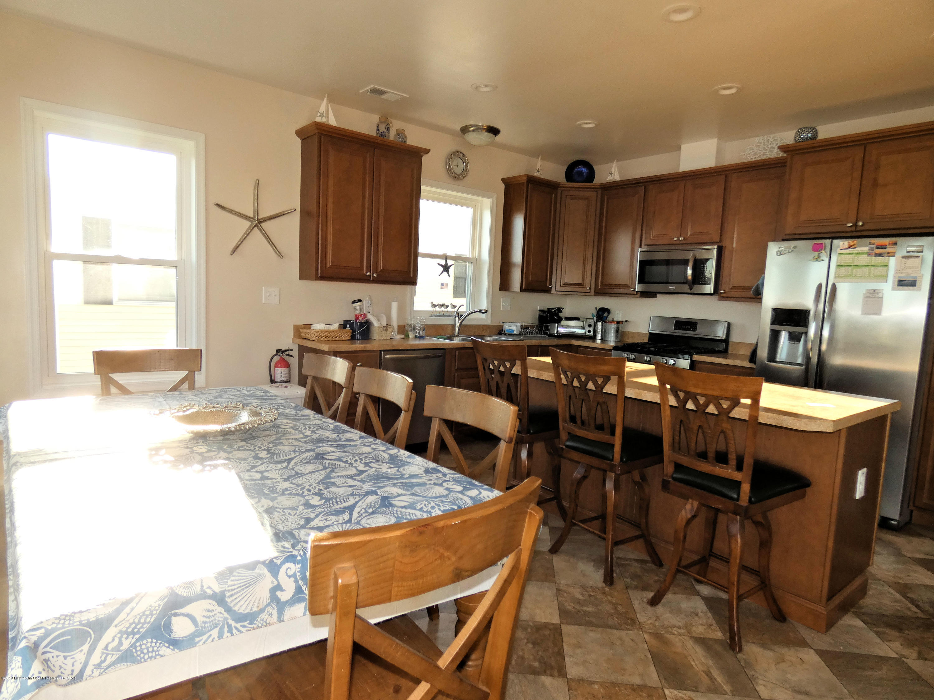 306 W Bayview Drive - Picture 9