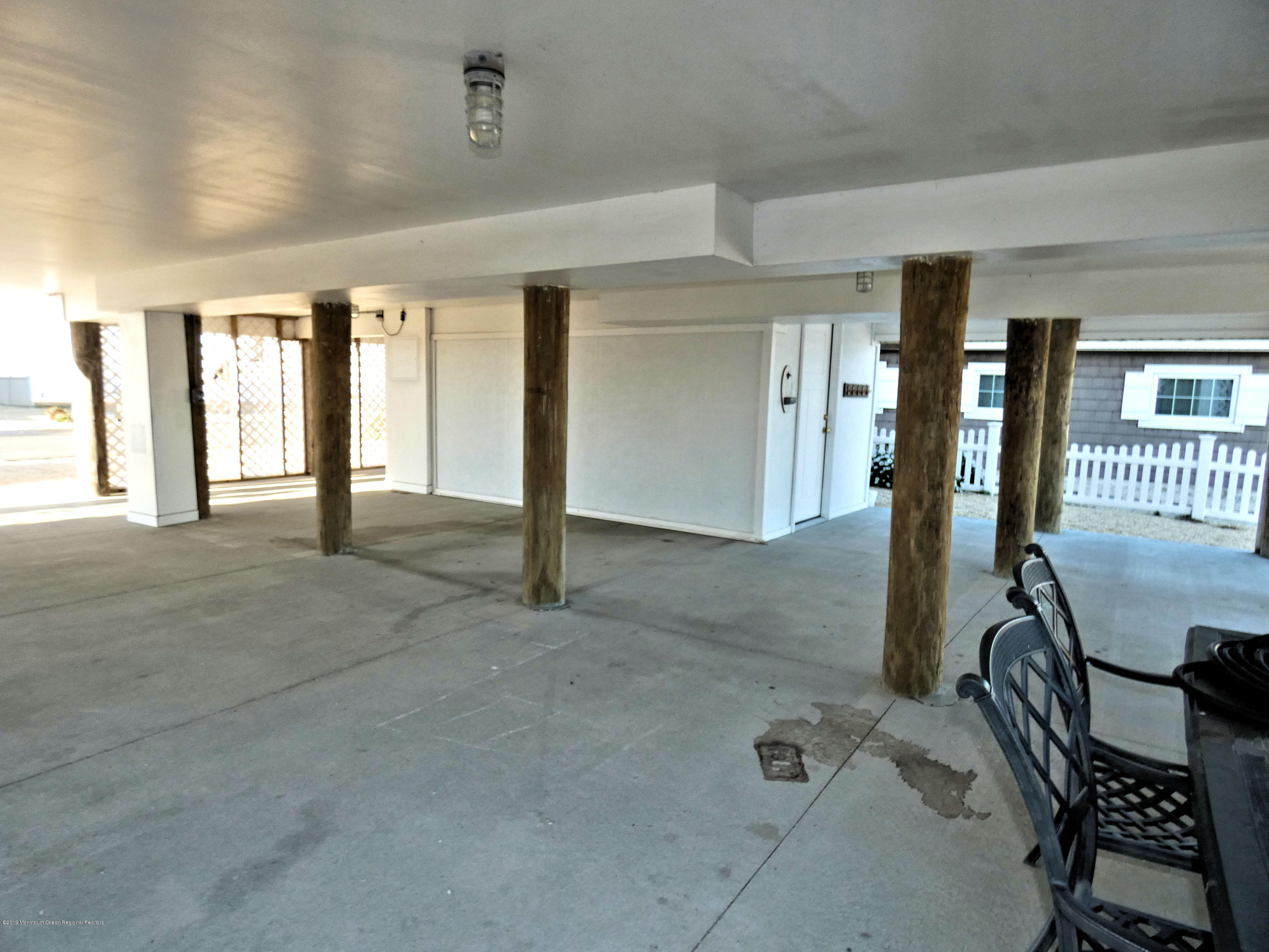 306 W Bayview Drive - Picture 25