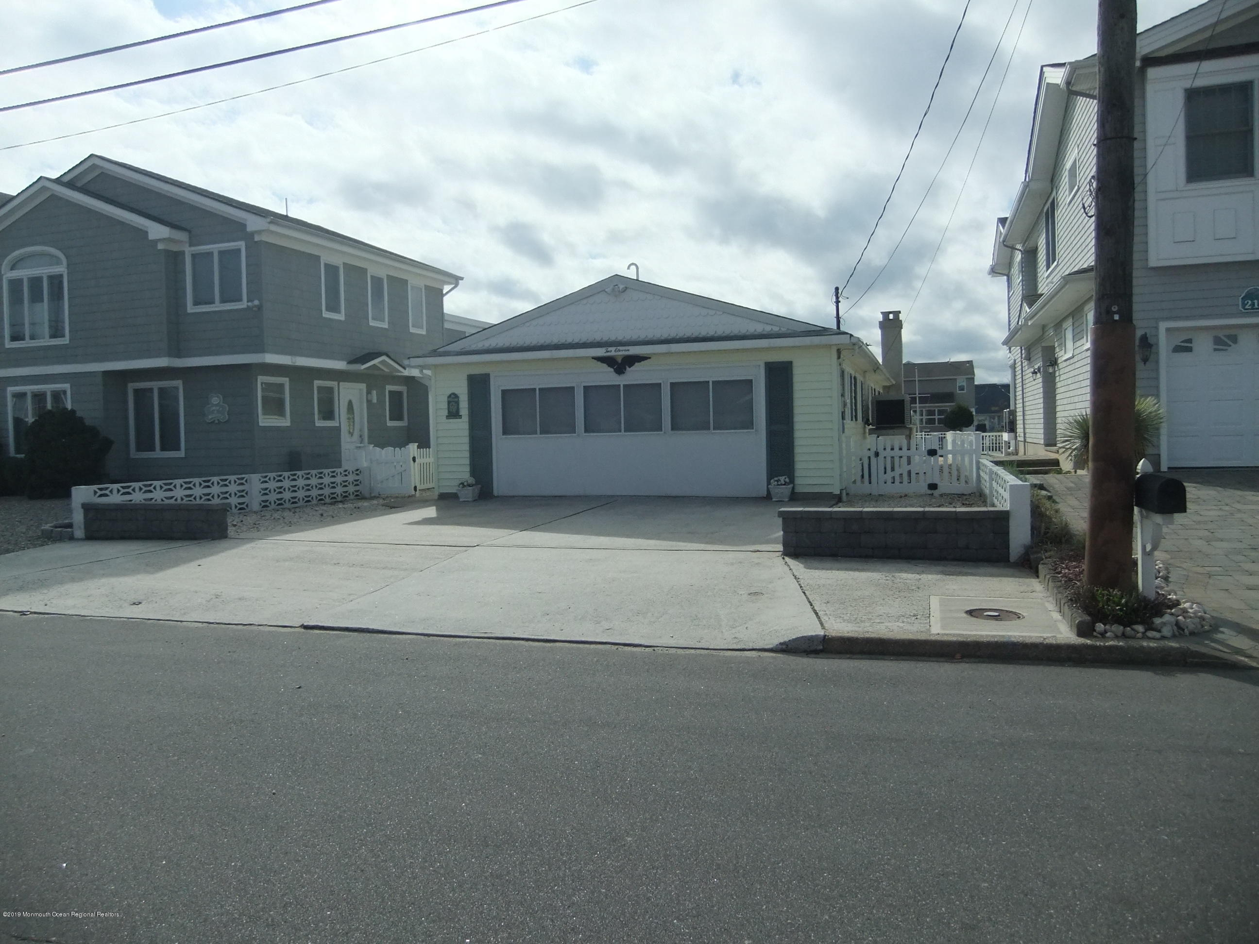 211  Bay Beach Way-Shn Lavallette