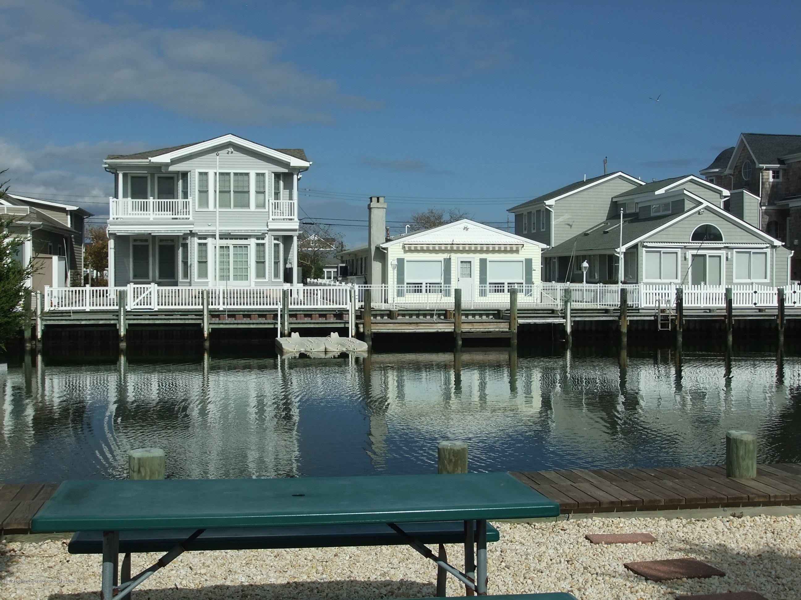 211  Bay Beach Way - Picture 11