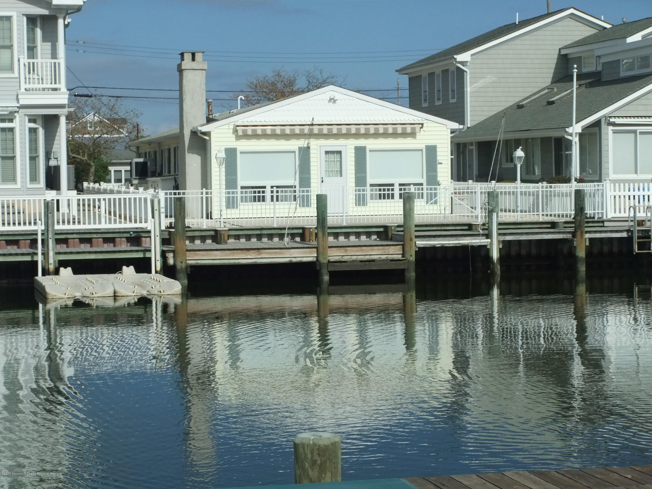 211  Bay Beach Way - Picture 18